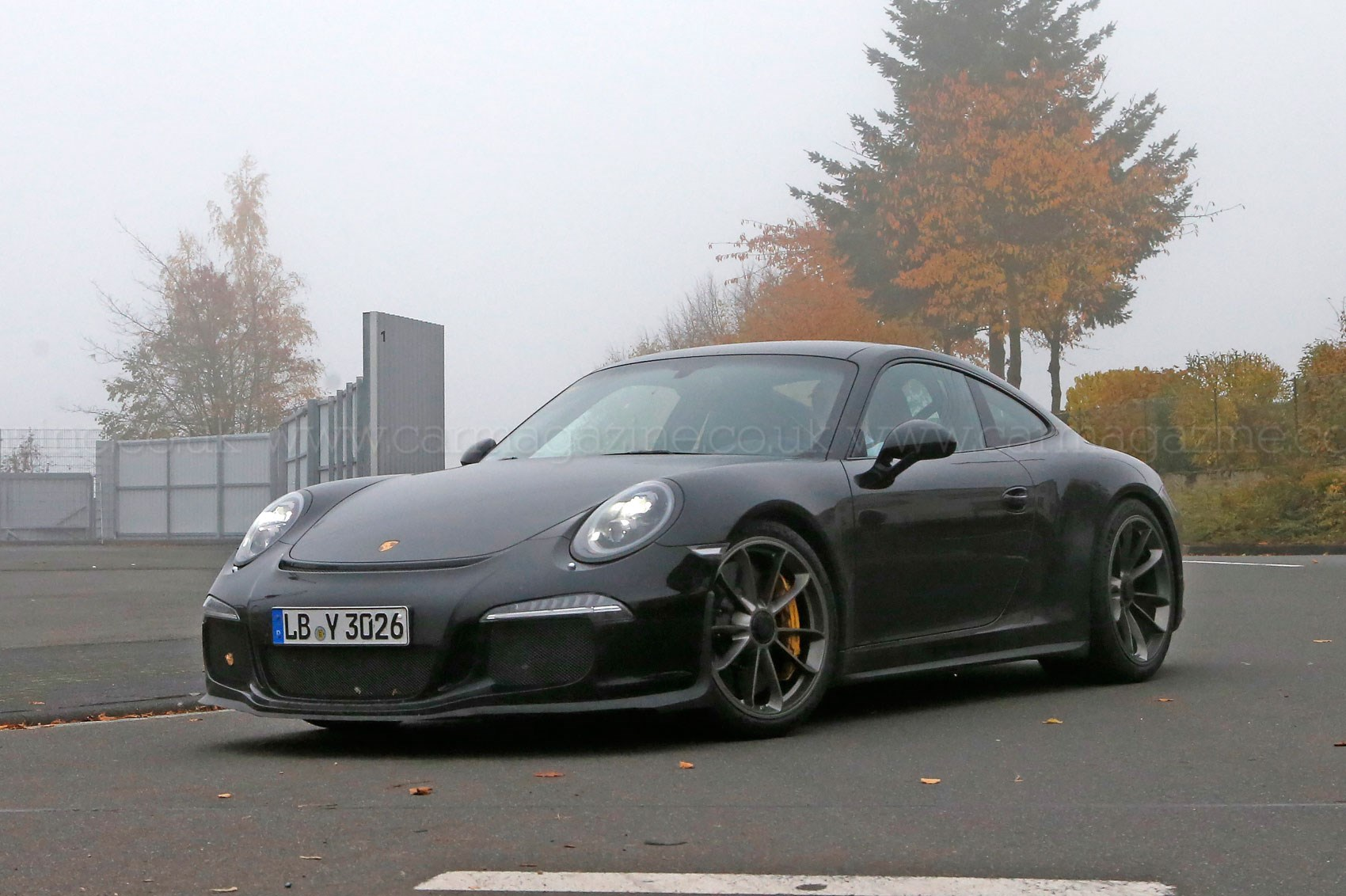 porsche 911 r 2016 first photos of the back to basics 911 by car magazine. Black Bedroom Furniture Sets. Home Design Ideas