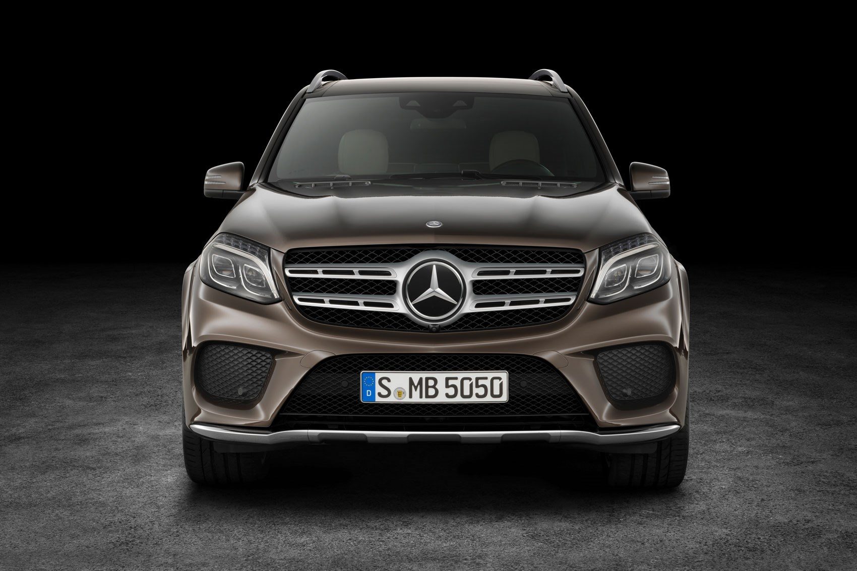 mercedes gls 2016 revealed the gl has a new face and a