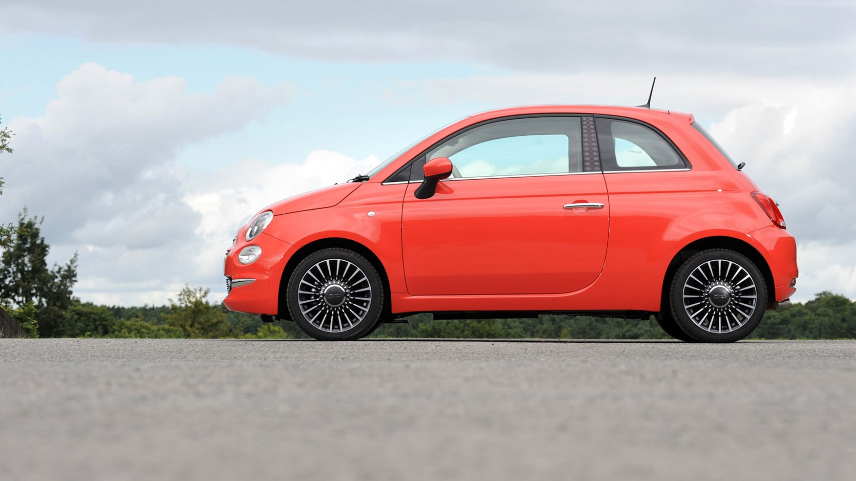 2015 Lease Deals >> Fiat 500 Lounge 1.2 (2015) review by CAR Magazine