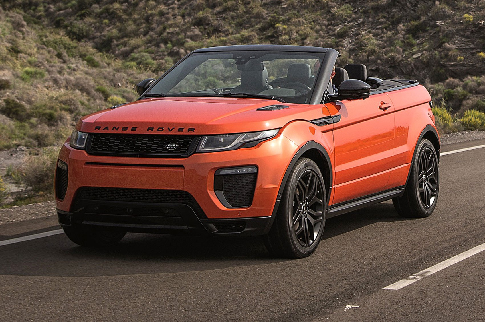 roofless streak range rover evoque finally goes convertible for 2016 by car magazine. Black Bedroom Furniture Sets. Home Design Ideas