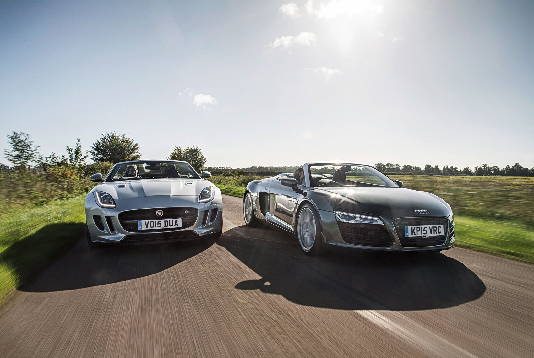 Icon Buyer: new Jaguar F-type V6 vs used Audi R8, CAR+ December 2015