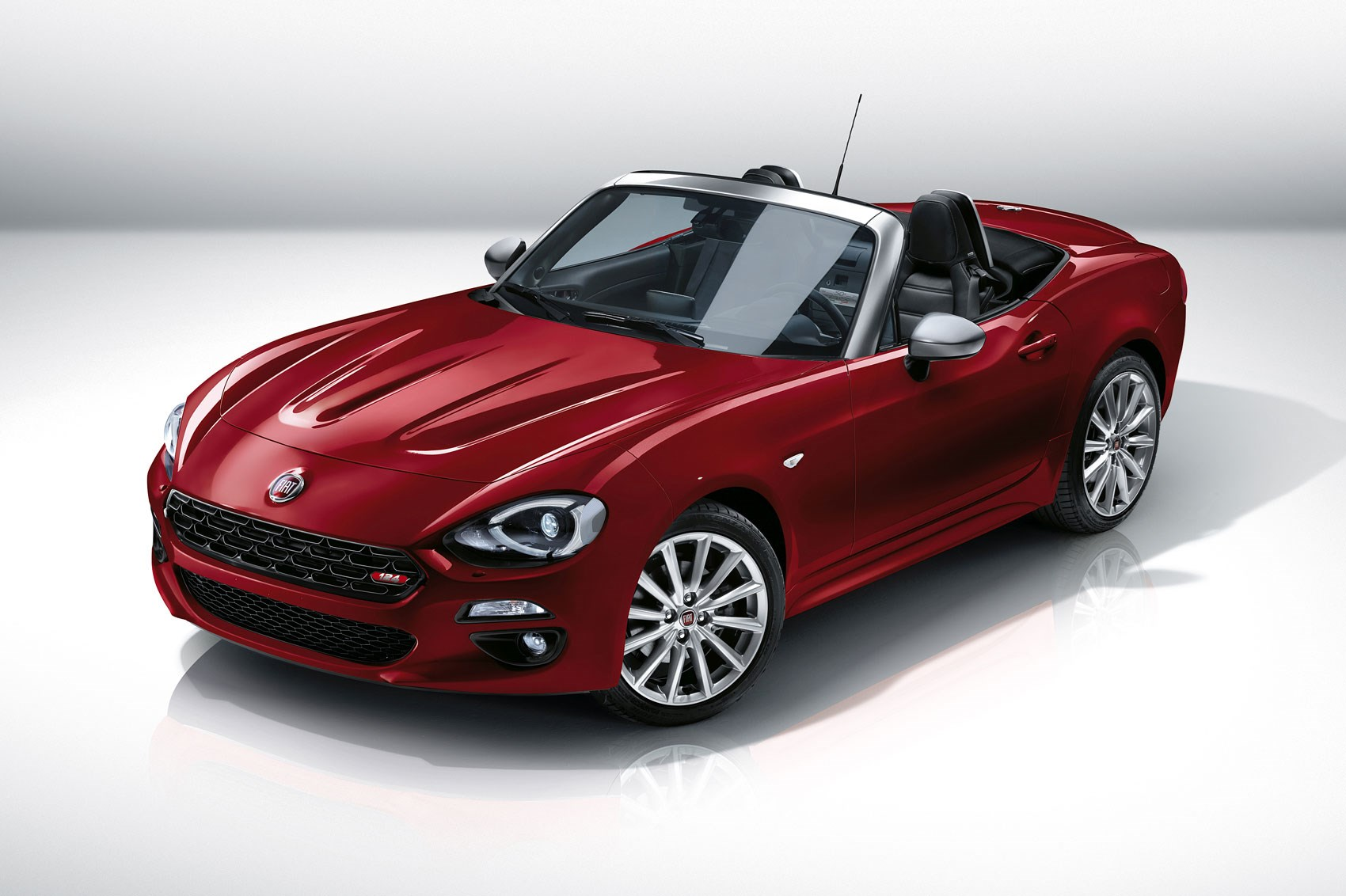 Fiat 124 spider revealed at 2015 la show fiat s mx 5 for Fiat 124 spider motor
