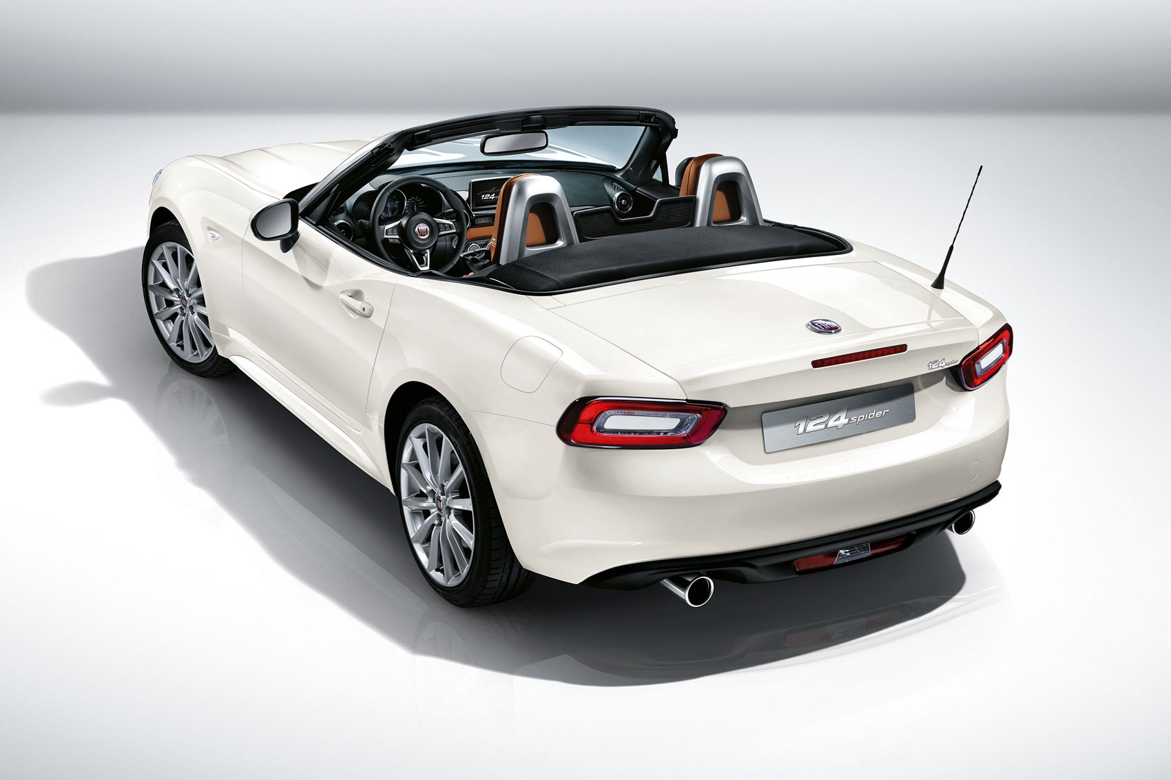 fiat 124 spider revealed at 2015 la show fiat s mx 5 turbo is here by car magazine. Black Bedroom Furniture Sets. Home Design Ideas