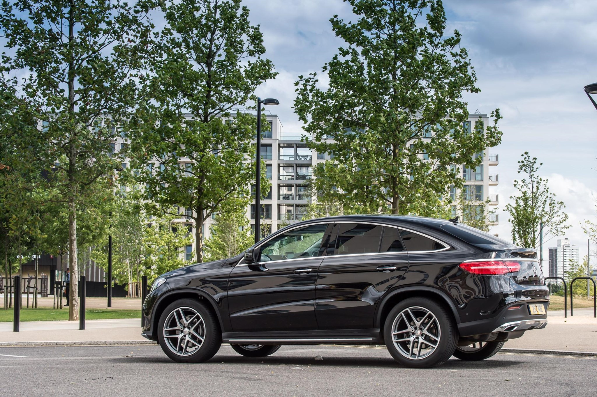 Mercedes benz glc 350 d coupe amg line 2016 wallpapers and hd images -  Mercedes Gle Coupe Gle Coupe Looks Elegant From Some Angles