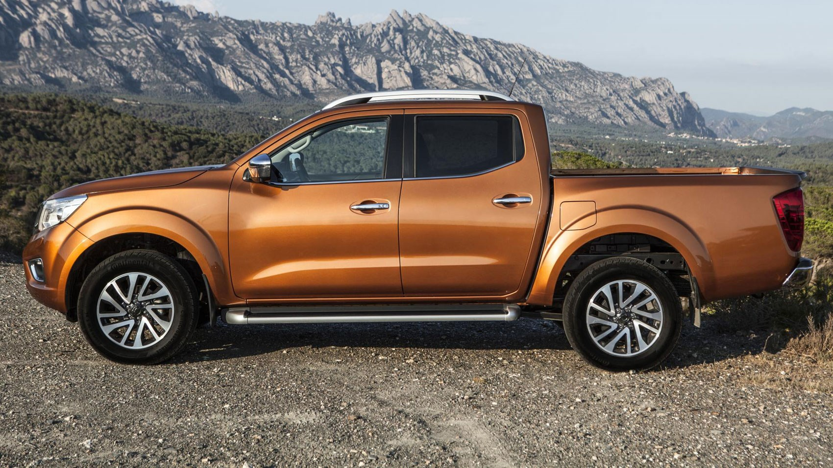 Nissan NP300 Navara (2016) review | CAR Magazine