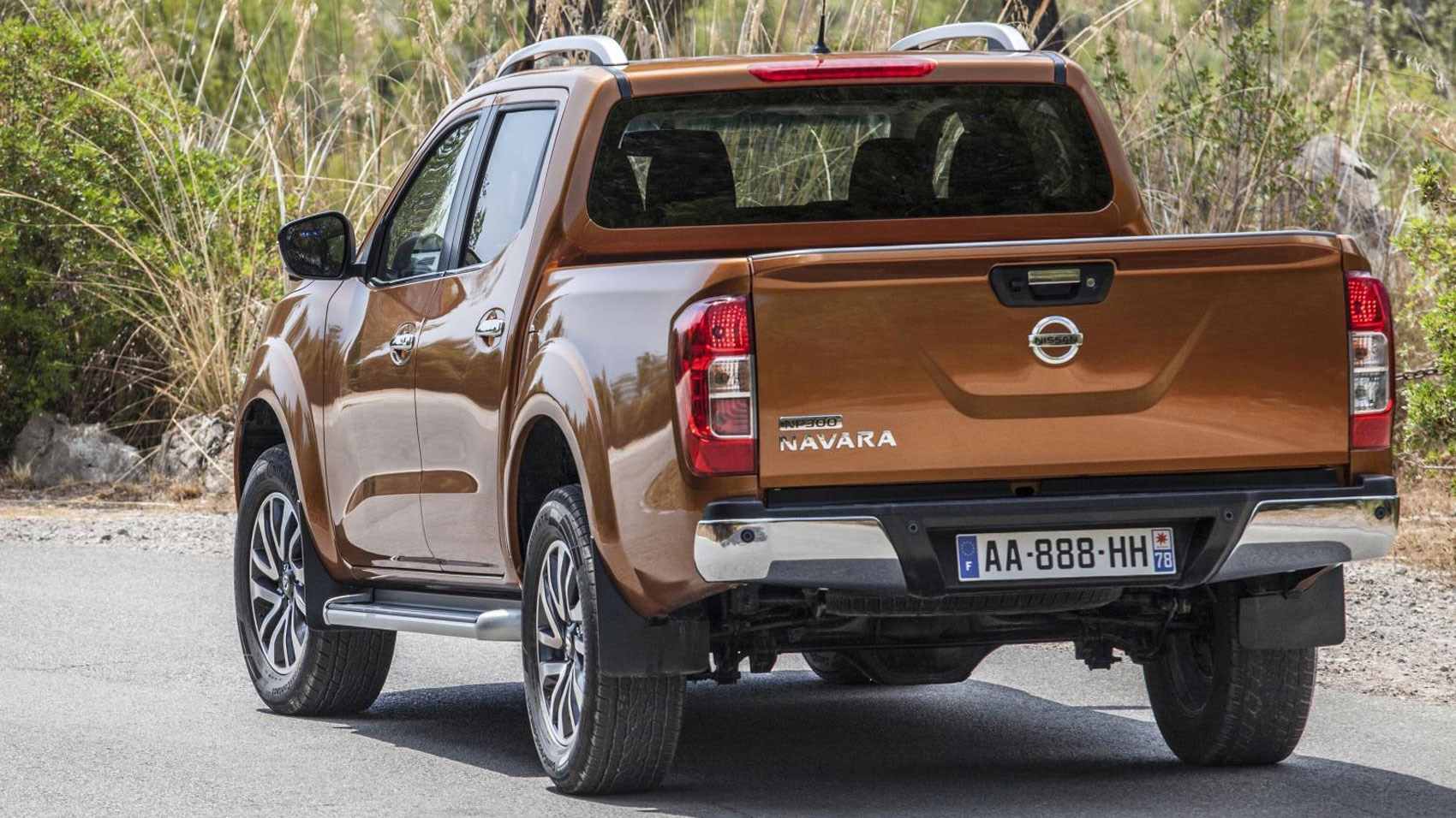 nissan np300 navara 2016 review by car magazine. Black Bedroom Furniture Sets. Home Design Ideas