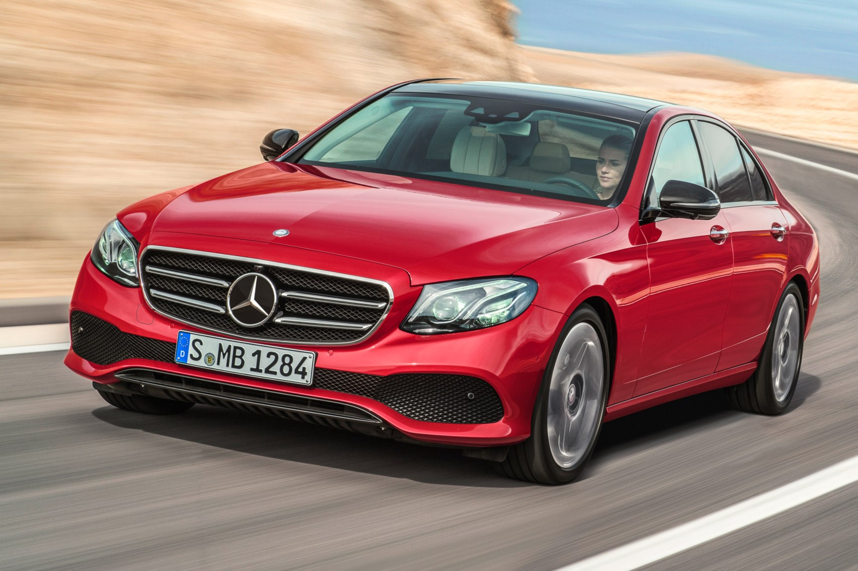 New mercedes benz e class unveiled at 2016 detroit motor for Mercedes benz e class 2016 for sale