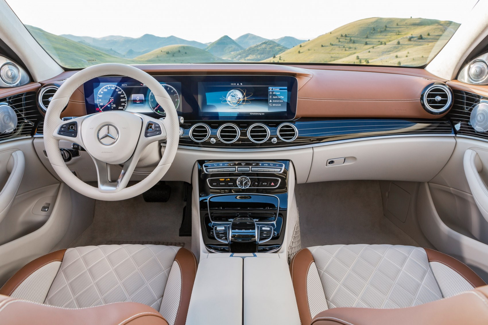 Mercedes-Benz E-Class: Transmission position and drive program display