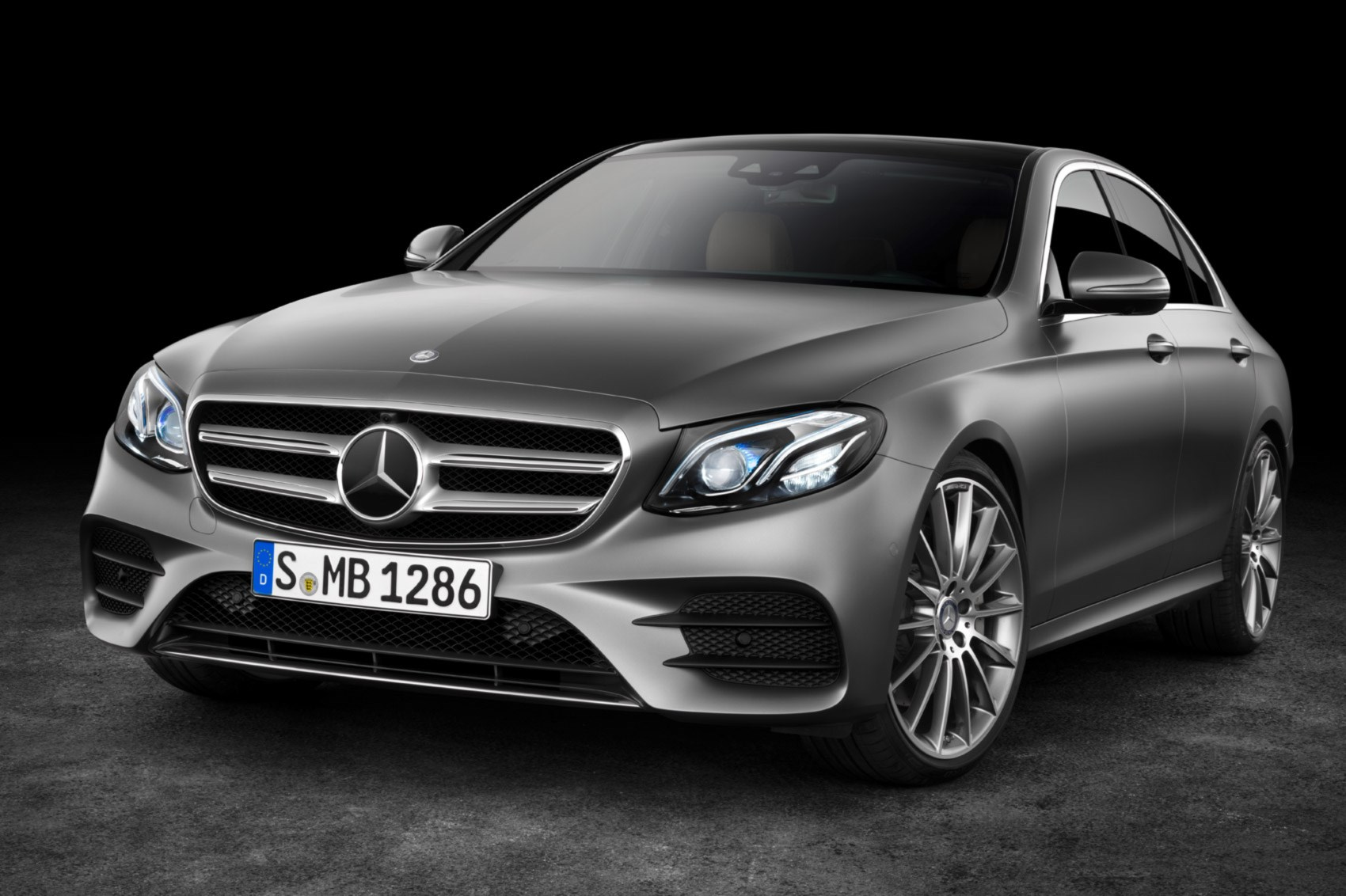 New mercedes benz e class unveiled at 2016 detroit motor for New e series mercedes benz