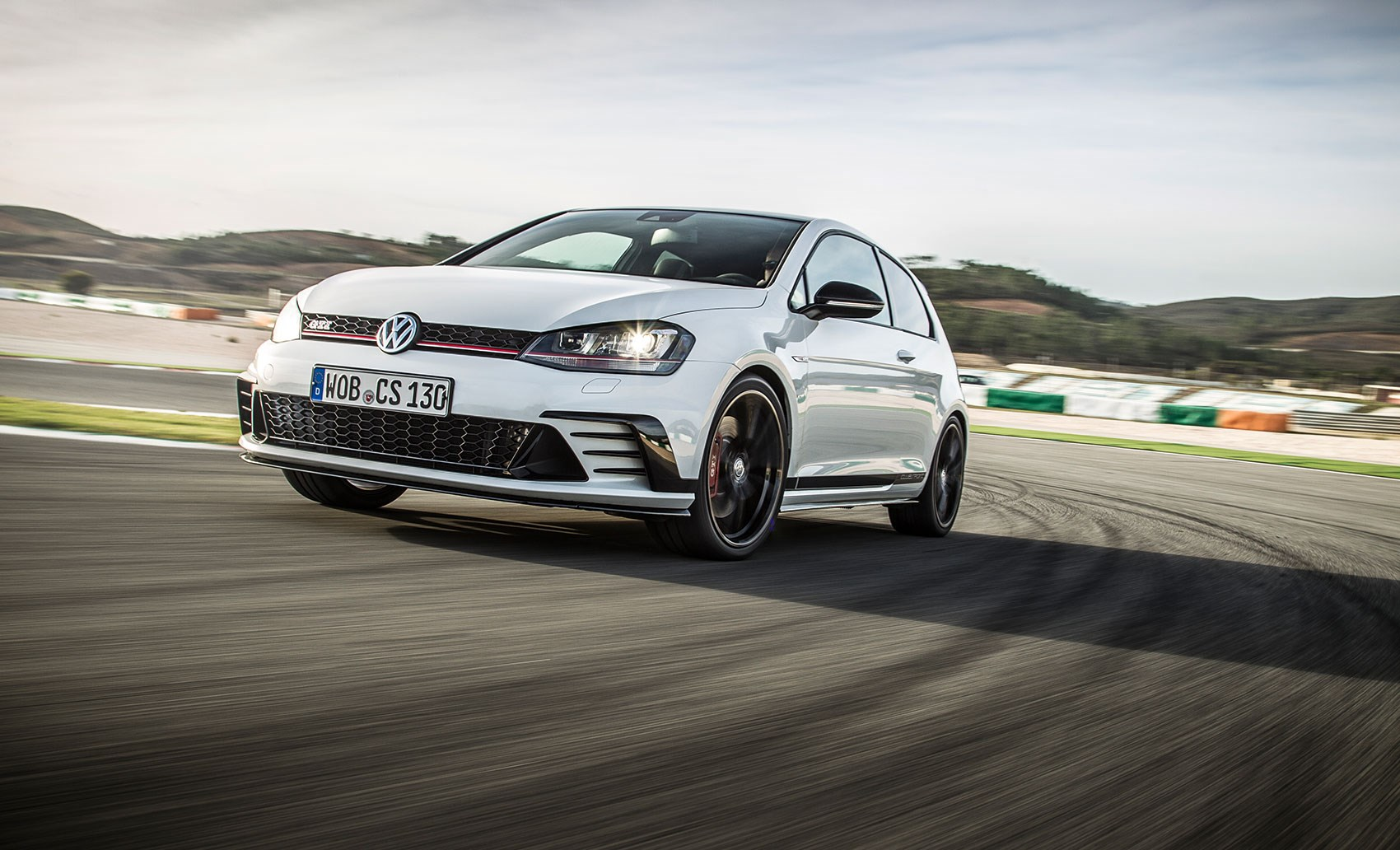 how can we stay mad at volkswagen we test vw golf gti. Black Bedroom Furniture Sets. Home Design Ideas