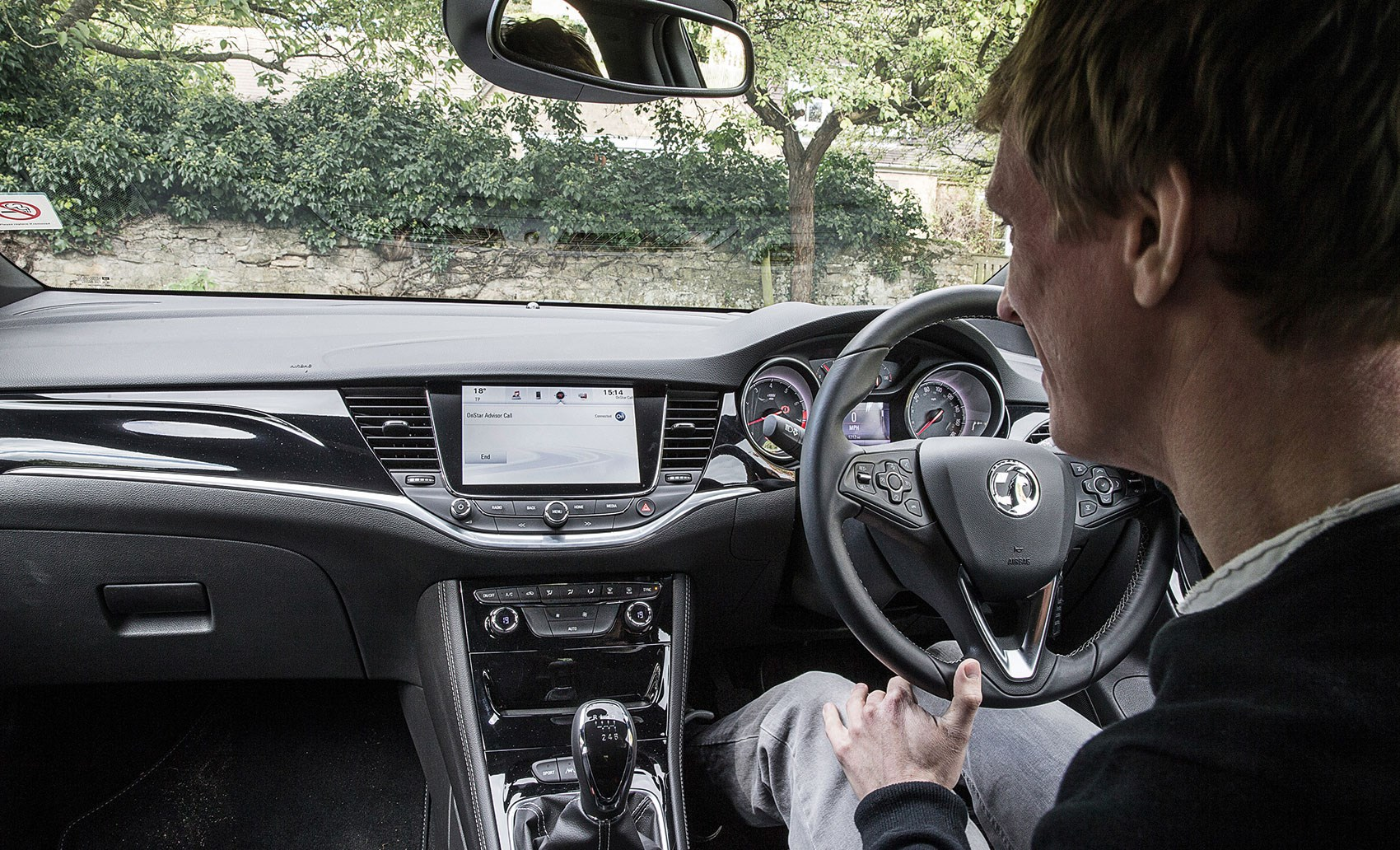 Does it work? Vauxhall\'s OnStar concierge service tested | CAR Magazine