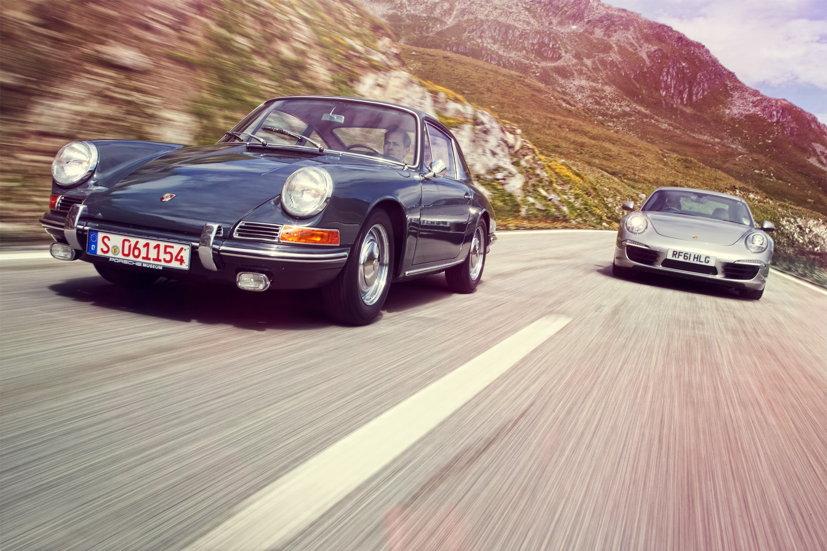 Old meets new: Porsche 911 twin test – 1965 911 vs 2012 991 (CAR on