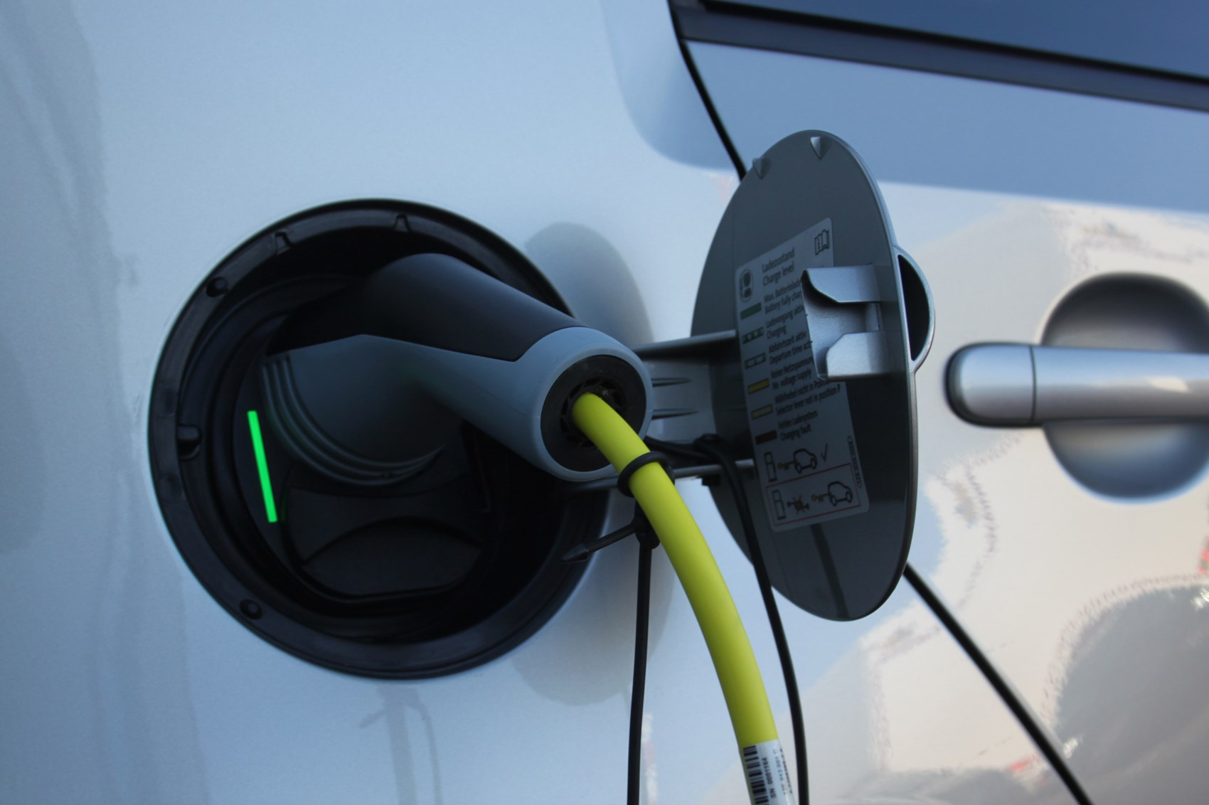 UK plug-in car grant extended to March 2018 | CAR Magazine