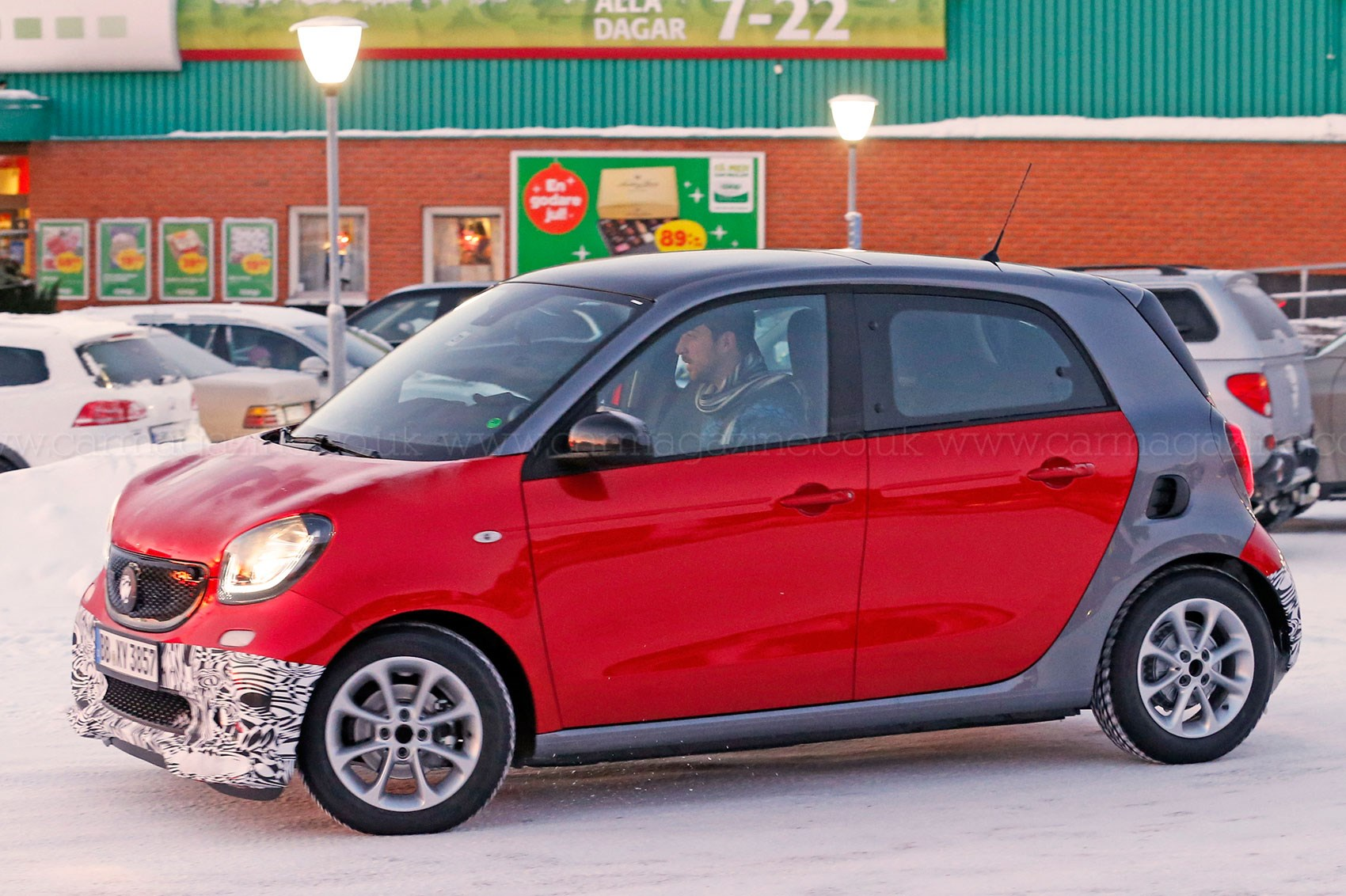 more power for forfour go faster brabus smart forfour 2016 spied by car magazine. Black Bedroom Furniture Sets. Home Design Ideas