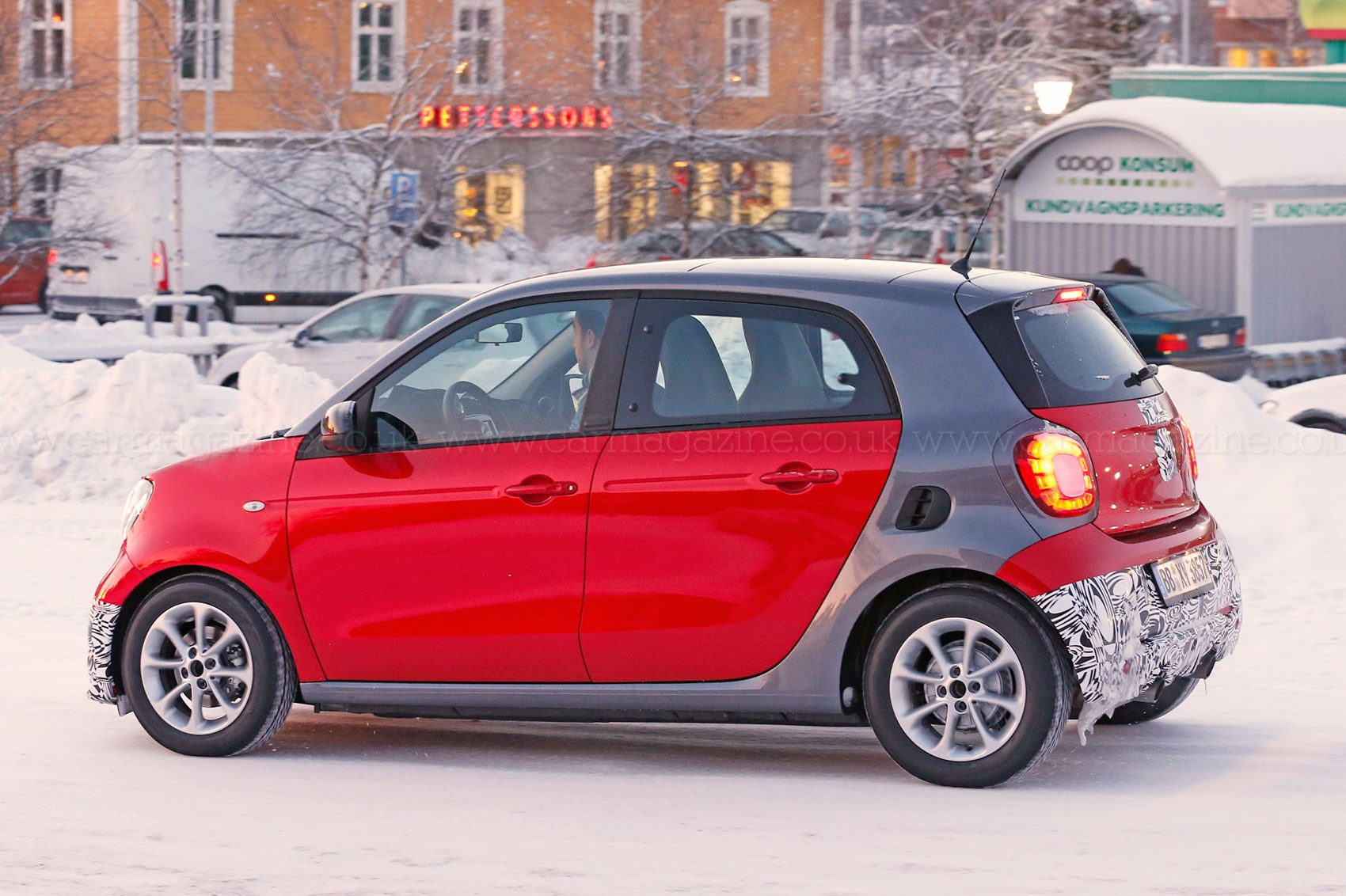 More For Forfour Go Faster Brabus Smart 2016 Spied Car Magazine