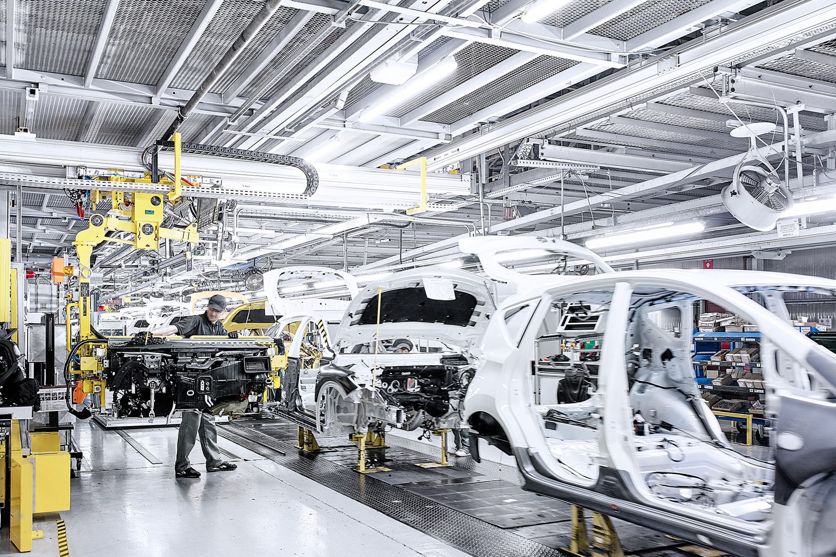 Two Born Every Minute Inside Nissan S Sunderland Factory