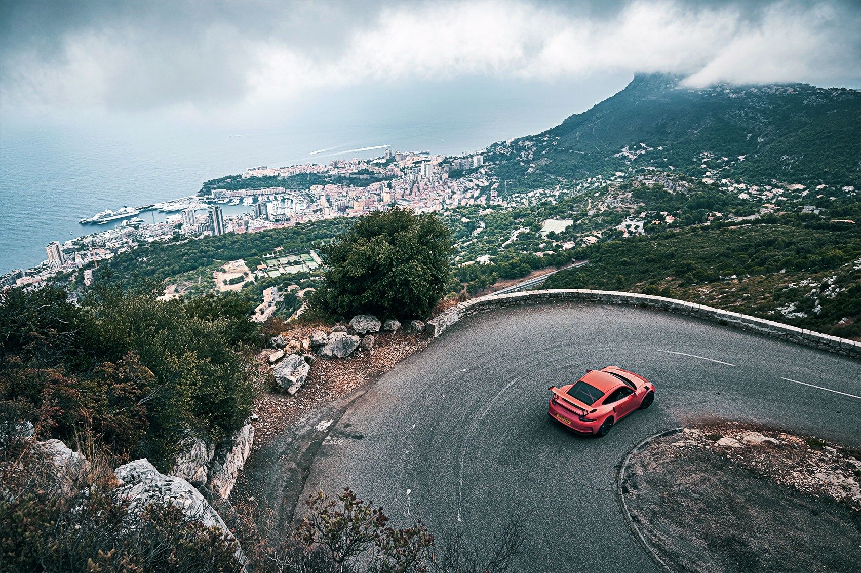 Porsche 911 GT3 RS on the Monte Carlo rally trail, CAR+
