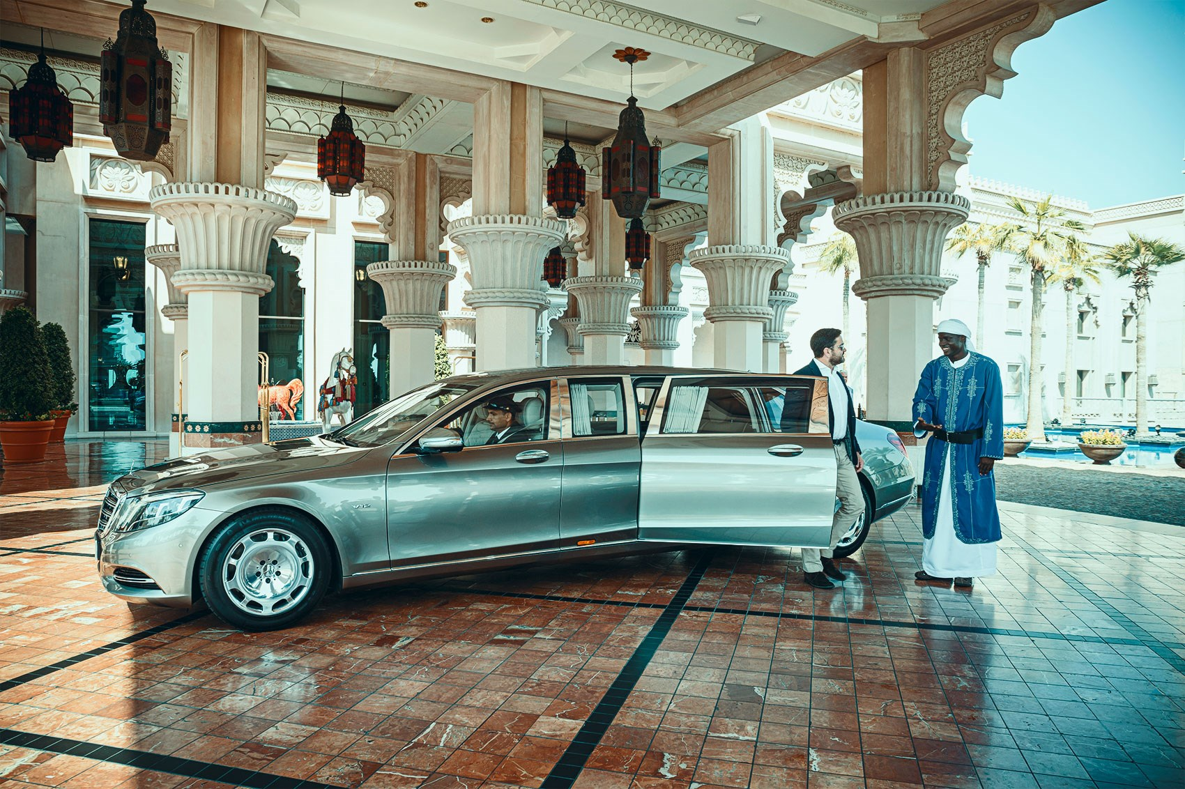 Mercedes-Maybach Pullman tested: we ride in the ultimate ...