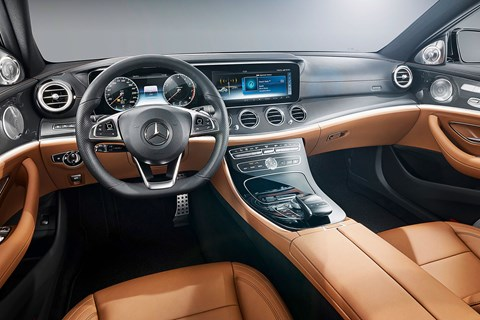 The screen is imported from the S-class, which is a dual 12.3in widescreen