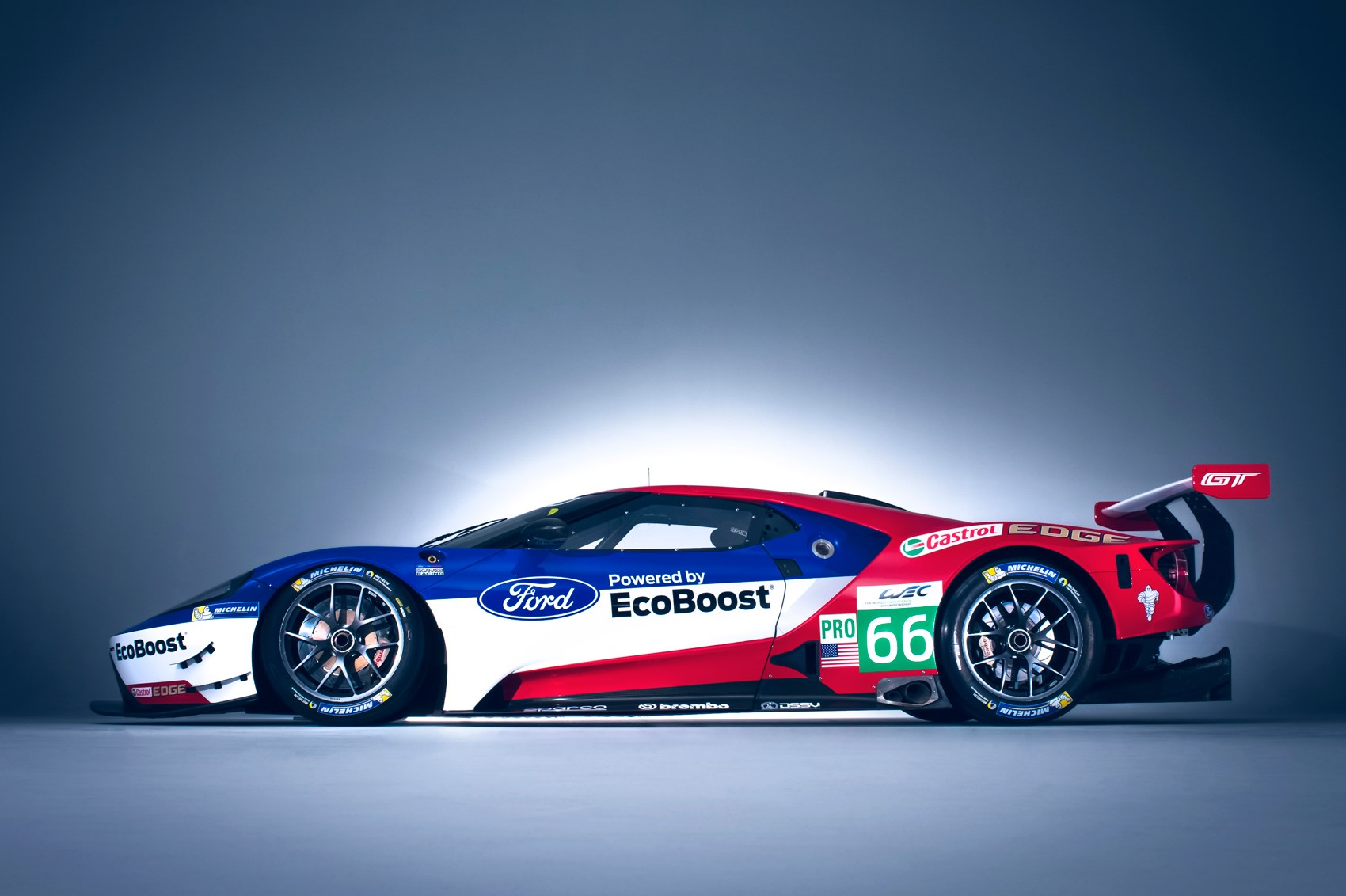 just how much of a racing car is the new ford gt by car magazine. Black Bedroom Furniture Sets. Home Design Ideas