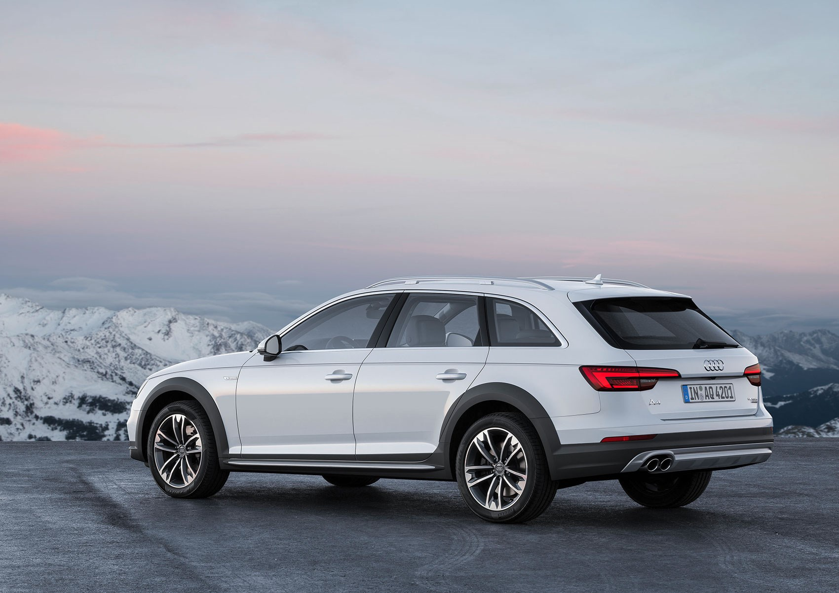 audi a4 allroad pulls on waders for detroit 2016 debut by car magazine. Black Bedroom Furniture Sets. Home Design Ideas