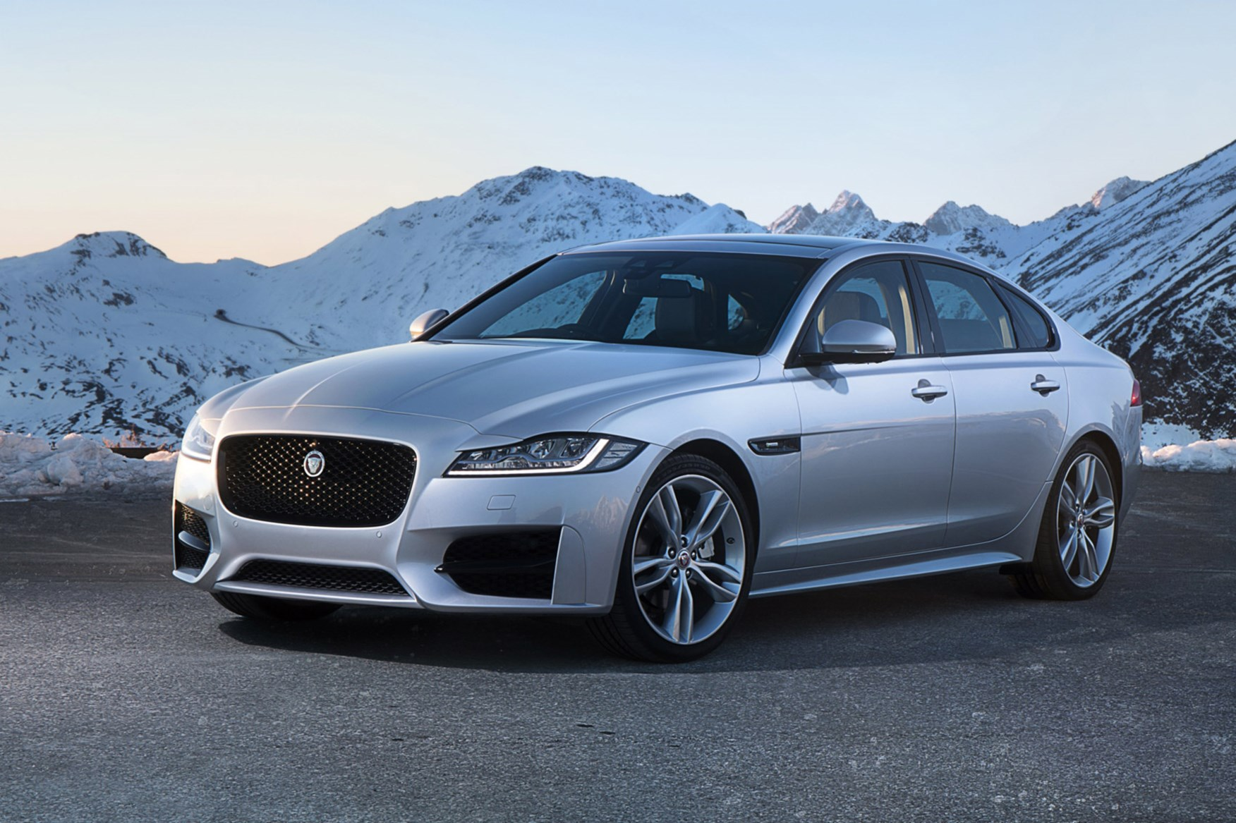 Jaguar Gets A Grip With New All Wheel Drive Xf Car Magazine