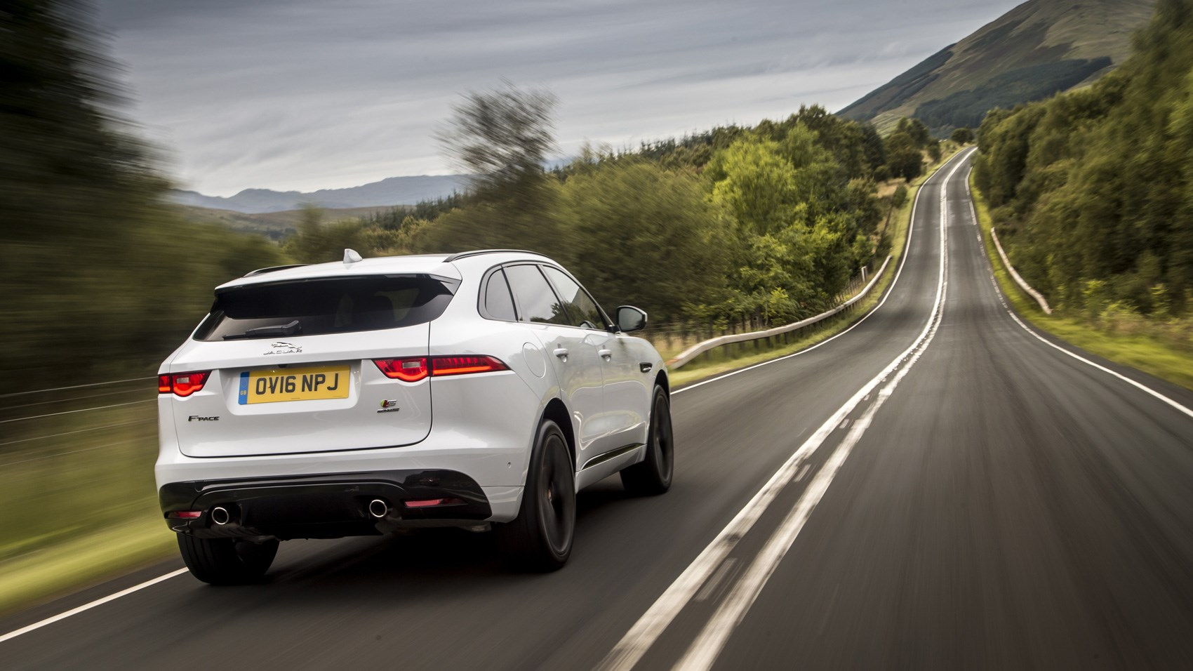 Jaguar F-Pace S rear tracking