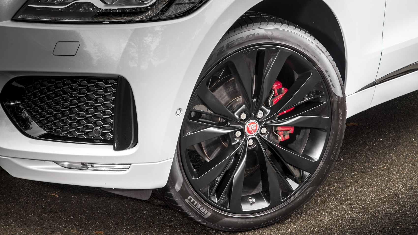Jaguar F-Pace S front wheels