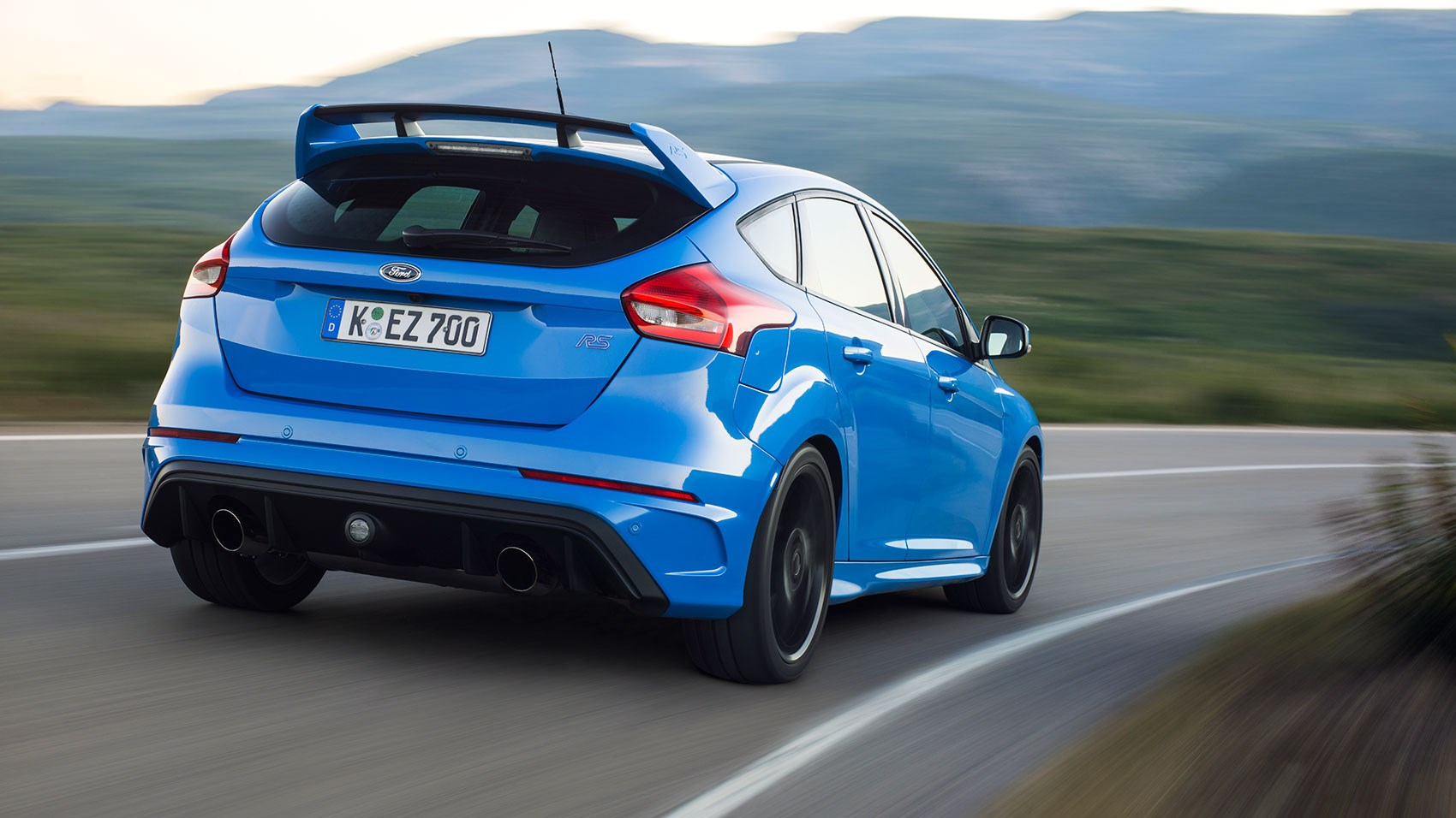 ford focus rs 2016 review car magazine. Black Bedroom Furniture Sets. Home Design Ideas