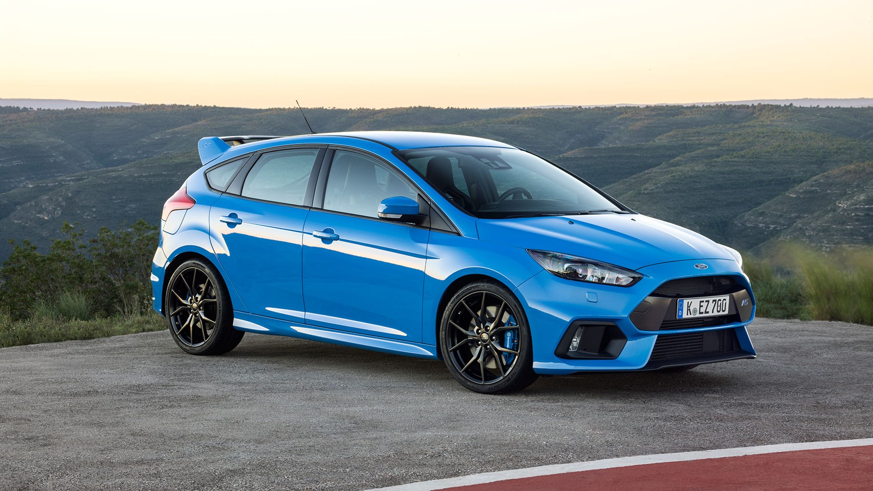 ford focus rs 2016 review by car magazine. Black Bedroom Furniture Sets. Home Design Ideas