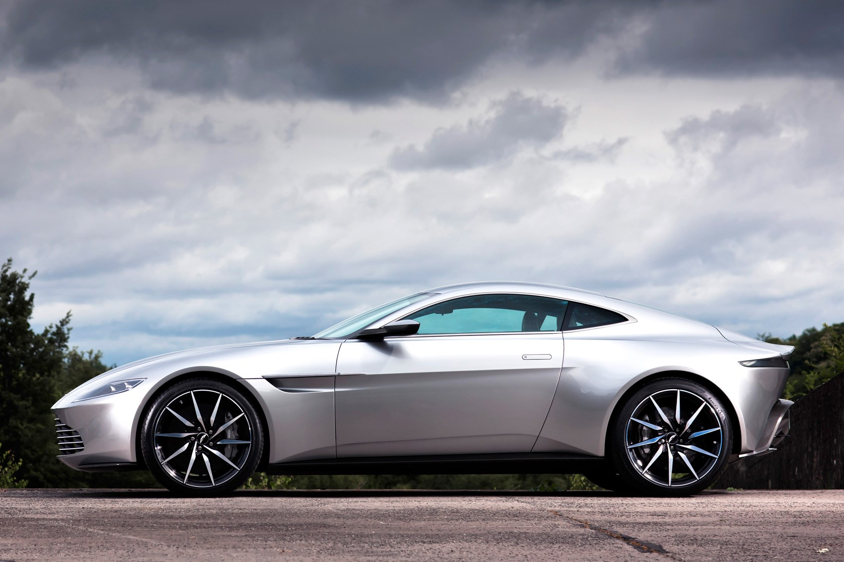 no mr bond i expect you to bid aston martin db10 heads to auction by car magazine. Black Bedroom Furniture Sets. Home Design Ideas