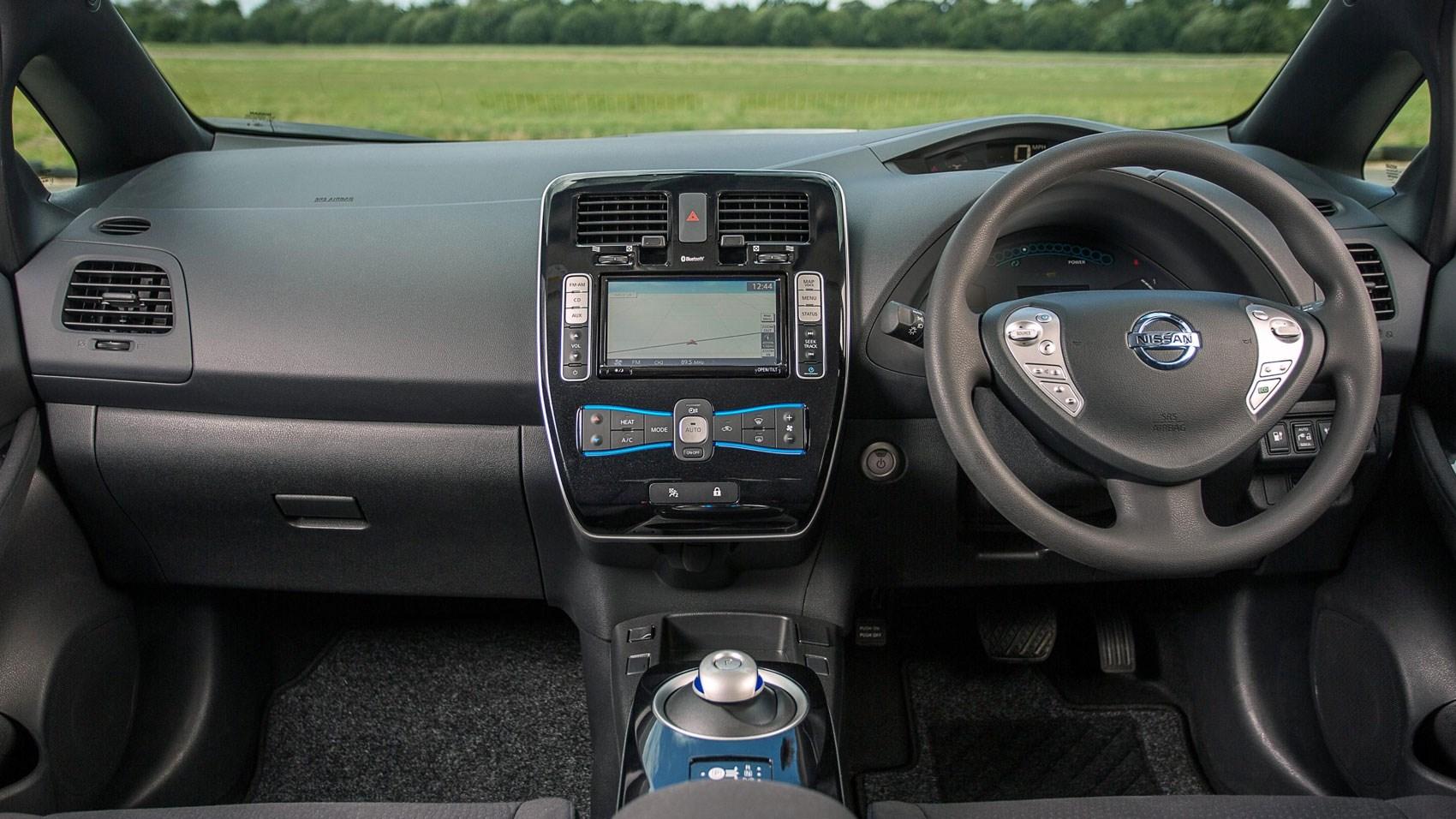 Nissan Leaf 30kWh Tekna (2016) review | CAR Magazine