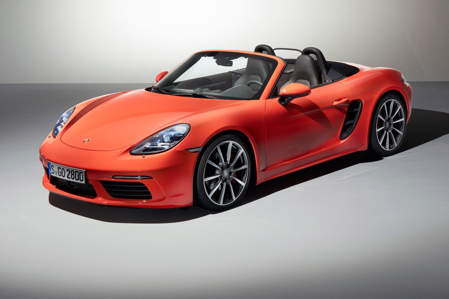 boost or bust turbocharged 2016 porsche 718 boxster revealed by car magazine. Black Bedroom Furniture Sets. Home Design Ideas