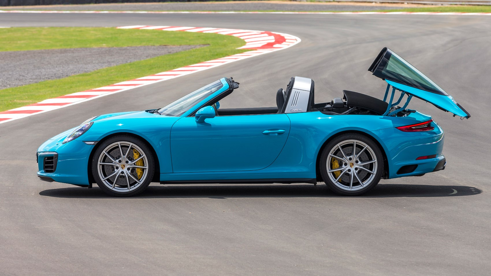 Porsche 911 targa 4 2016 review by car magazine