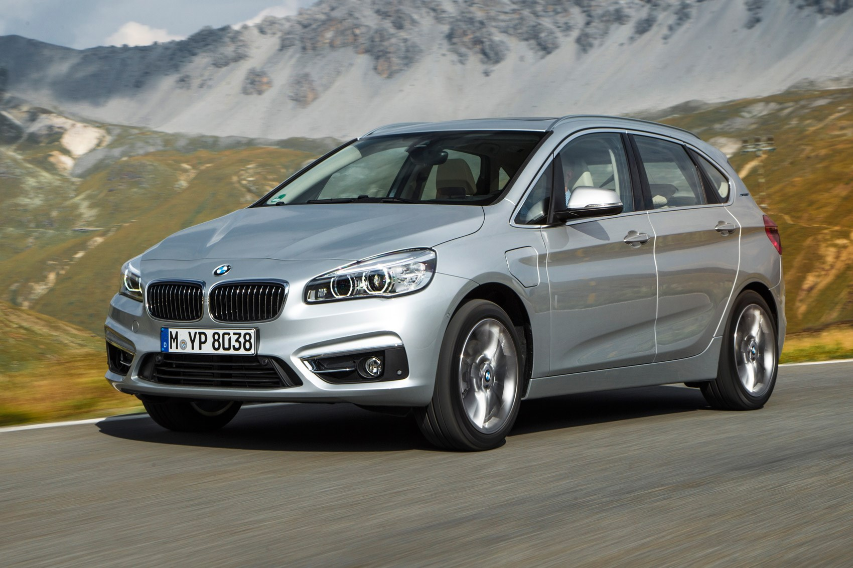 Bmw 2 Series Active Tourer 225xe 2016 Review Car Magazine