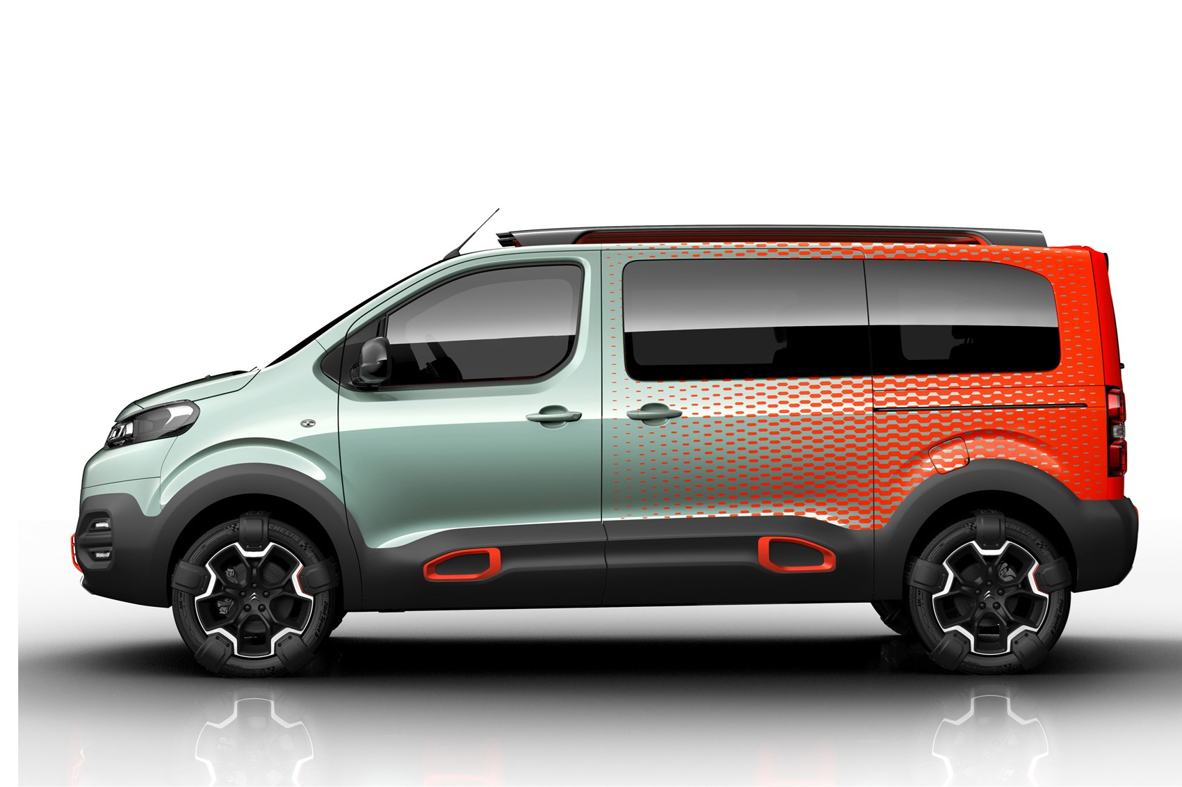 citroen spacetourer hyphen concept improbably named 4x4 mpv for geneva 2016 by car magazine. Black Bedroom Furniture Sets. Home Design Ideas