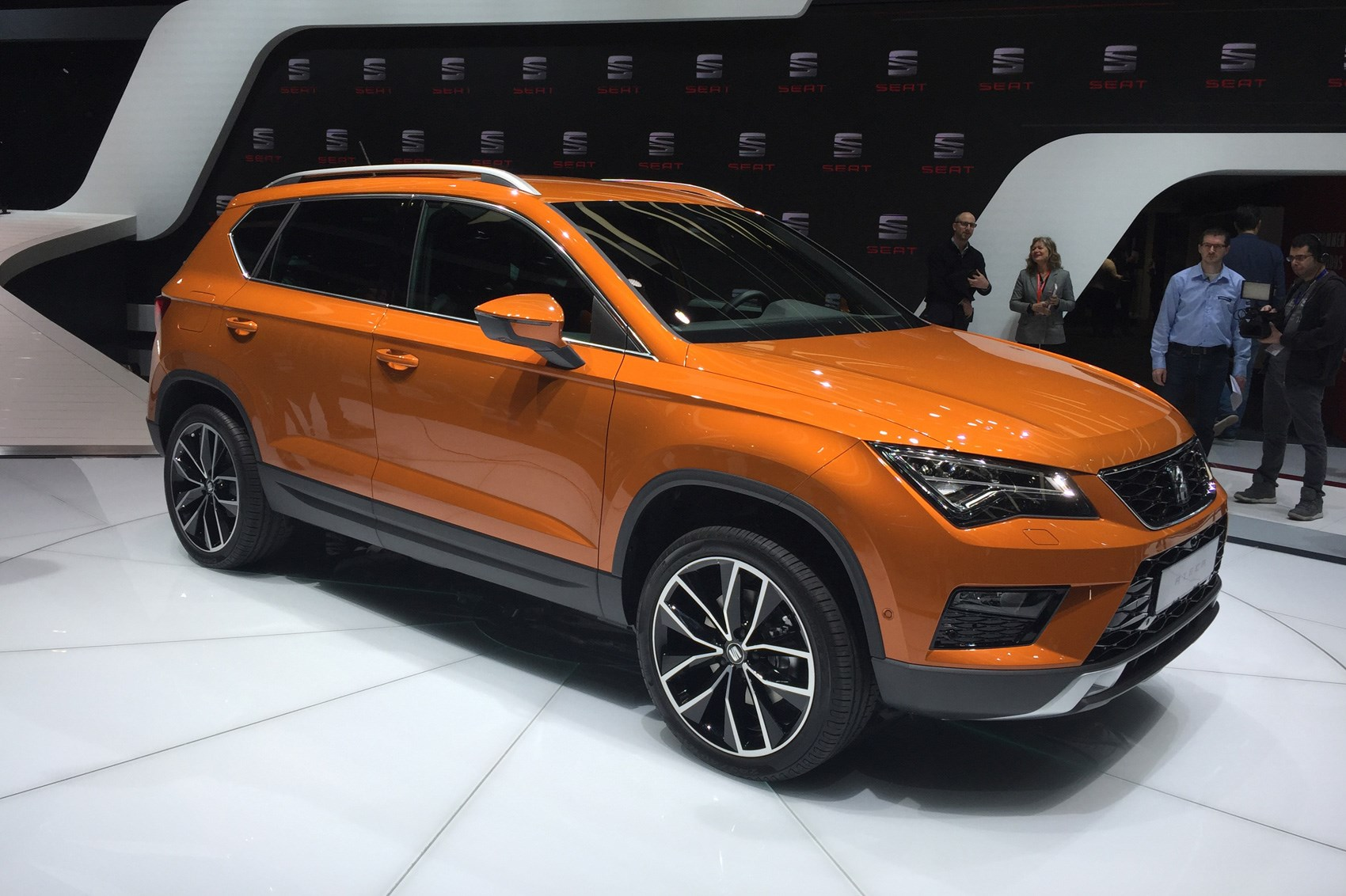 seat ateca crossover prices and specs announced for. Black Bedroom Furniture Sets. Home Design Ideas