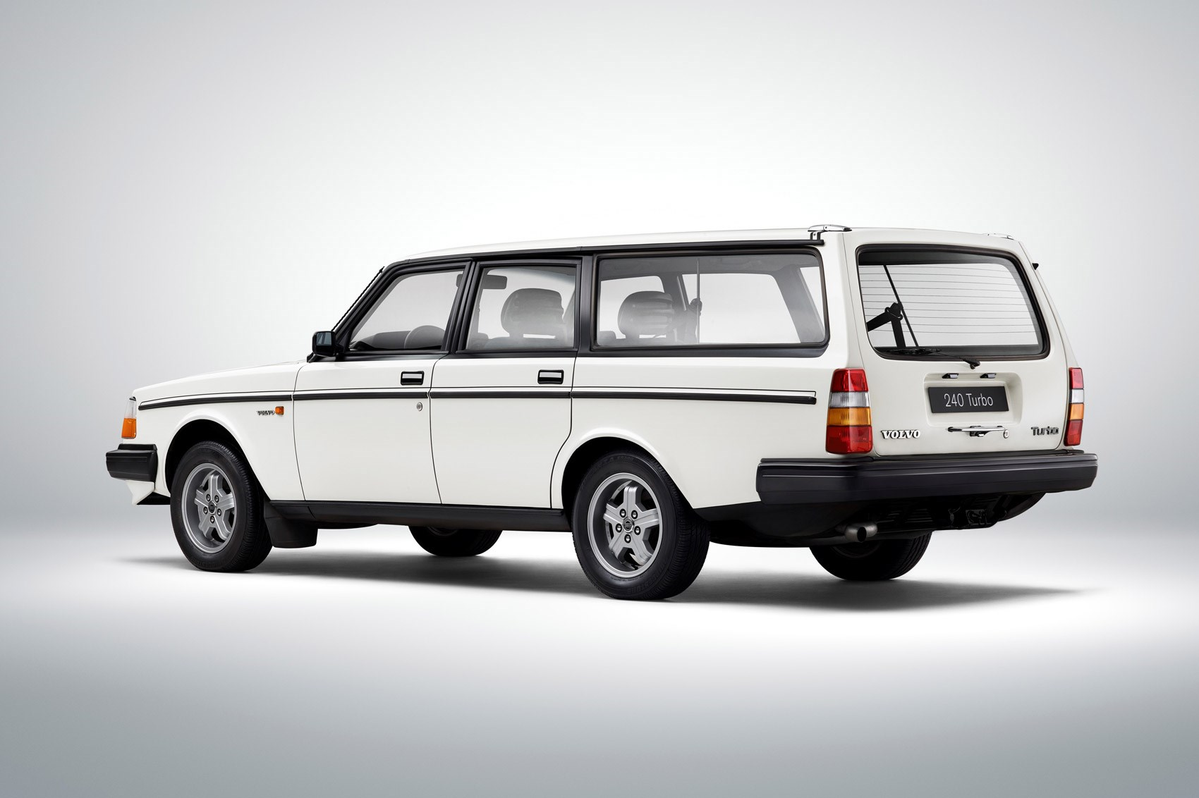 Sate Your Classic Estate Cravings With This Volvo Heritage