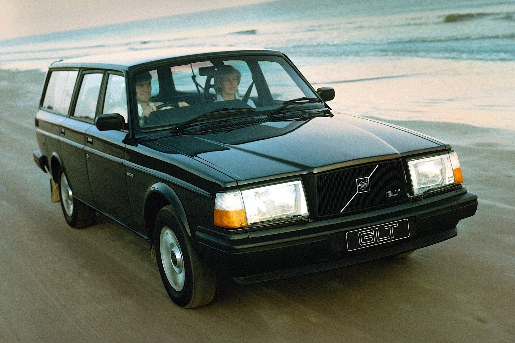 Sate your classic estate cravings with this Volvo heritage gallery ...