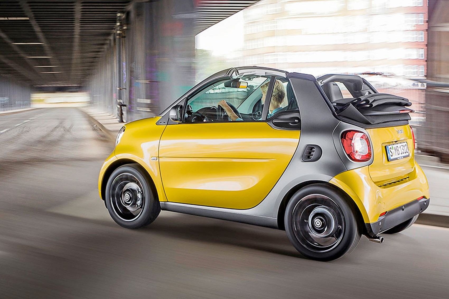 Smart Fortwo Cabrio First Drive, CAR+ March 2016