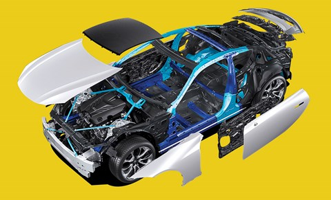 The chassis has 52:48 weight distribution from front/mid-engine layout, with a strapping great 5.0-litre V8 for an engine
