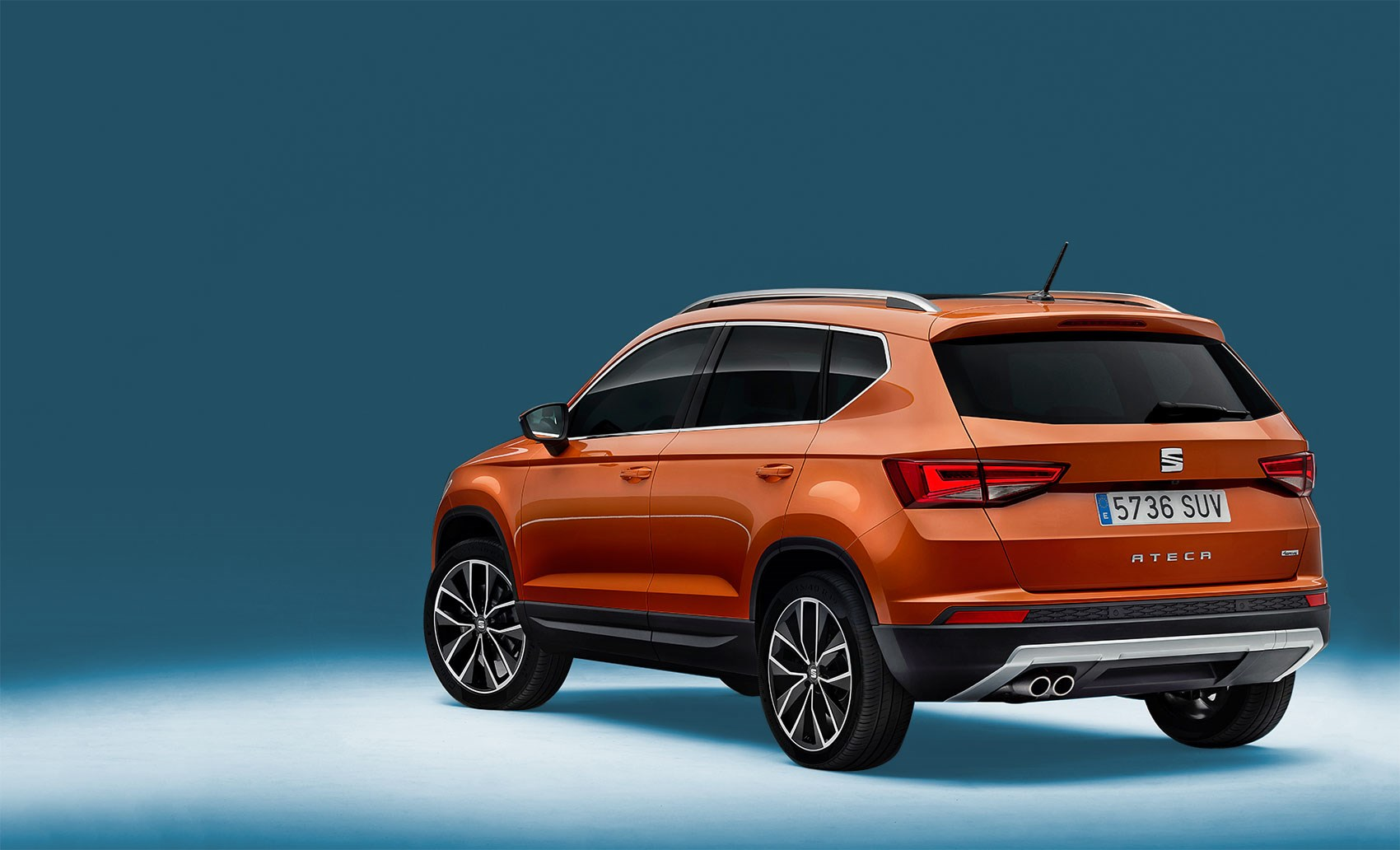corners like it 39 s on trails seat ateca suv revealed car march 2016 by car magazine. Black Bedroom Furniture Sets. Home Design Ideas