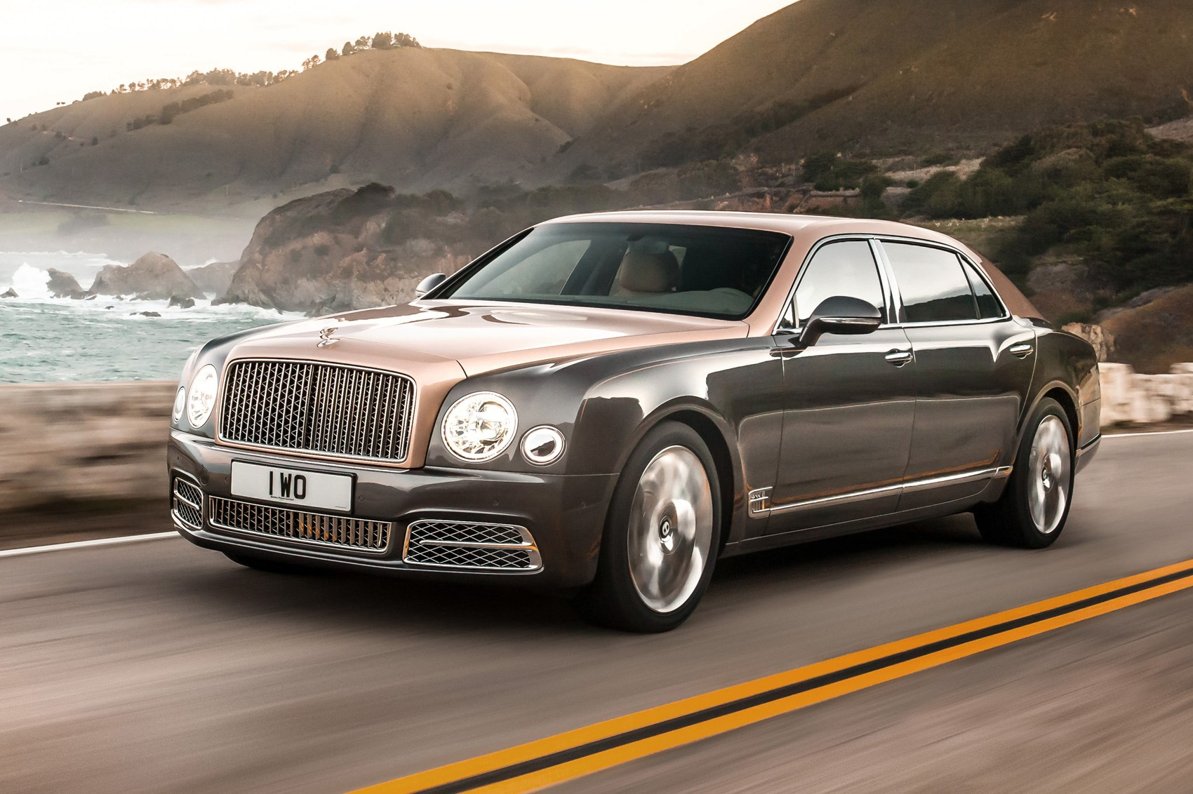 bentley ramps up the luxury for revised 2016 mulsanne range by car magazine. Black Bedroom Furniture Sets. Home Design Ideas