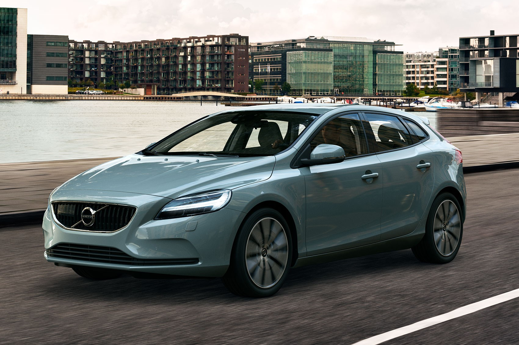 volvo v40 gets thor s hammer facelift for 2016 by car magazine. Black Bedroom Furniture Sets. Home Design Ideas