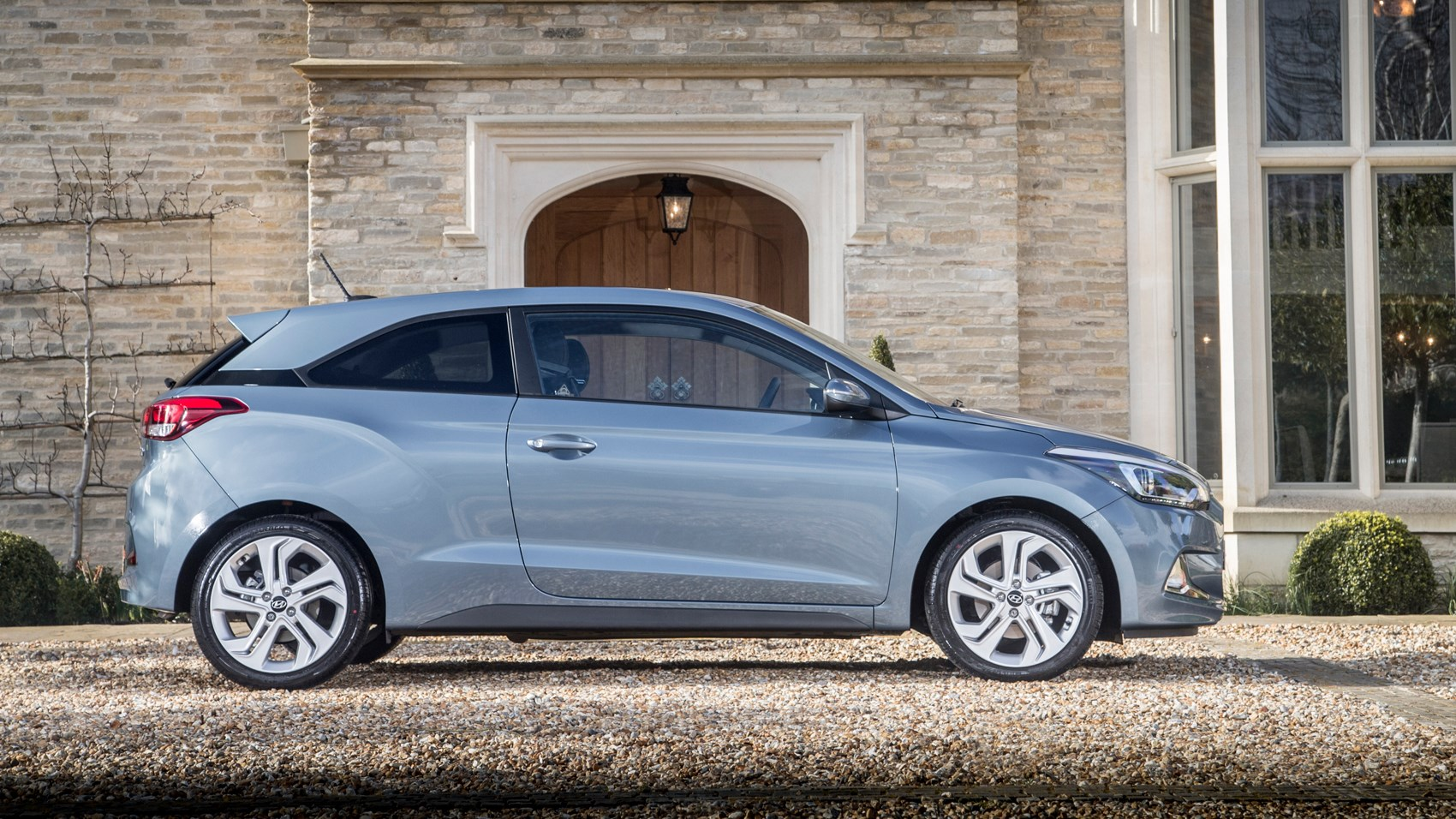 hyundai i20 coupe 1 0 t gdi 2016 review car magazine. Black Bedroom Furniture Sets. Home Design Ideas