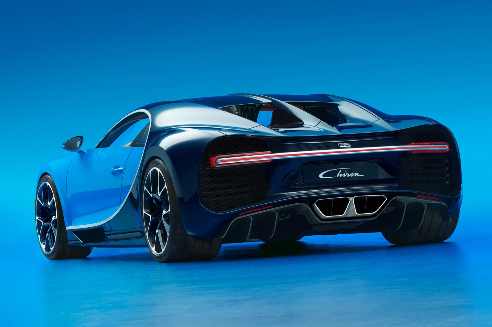 Bugatti Chiron revealed at Geneva 2016: the world has a new fastest ...