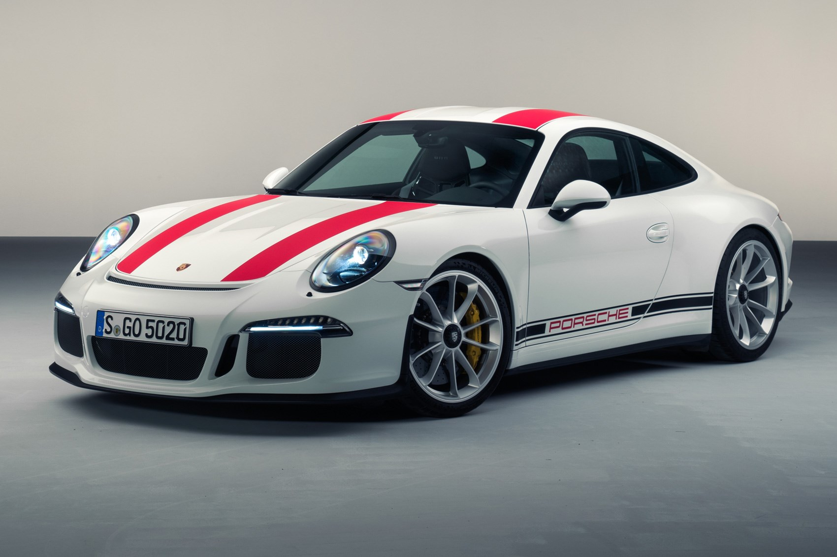 New porsche 911r revealed the purists choice by car magazine the new porsche 911r is unveiled in geneva sciox Images