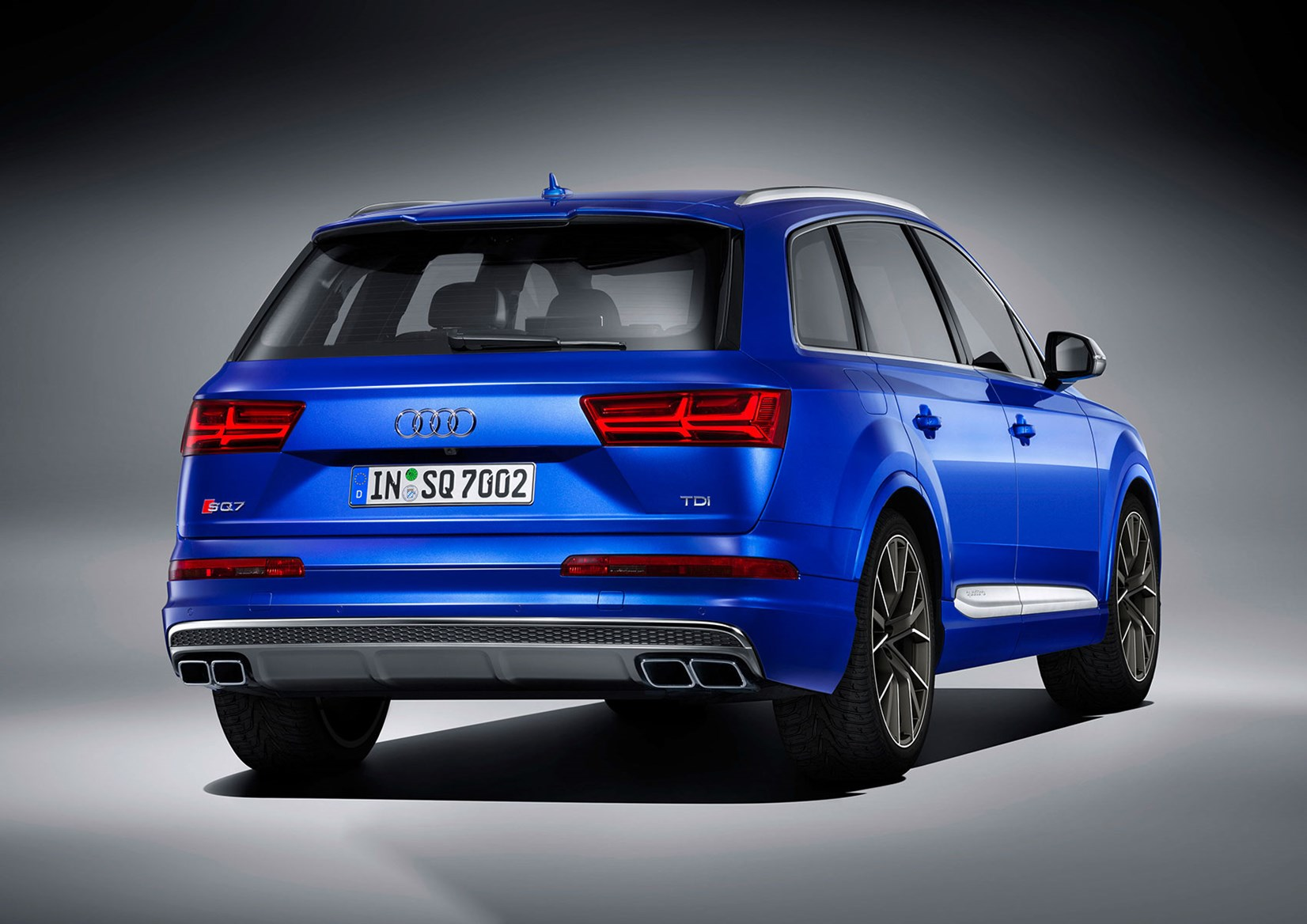 Set fans to electric: new Audi SQ7 TDI packs electric supercharging tech by CAR Magazine