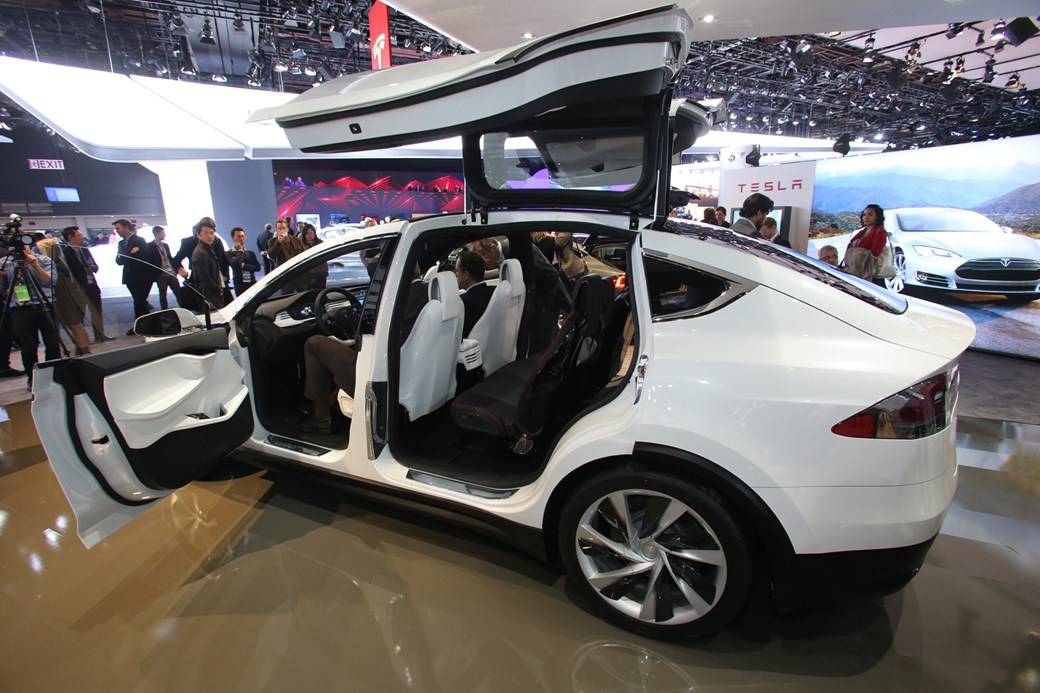 New Tesla Model X hands-on review: six reasons it\'ll shake up the ...