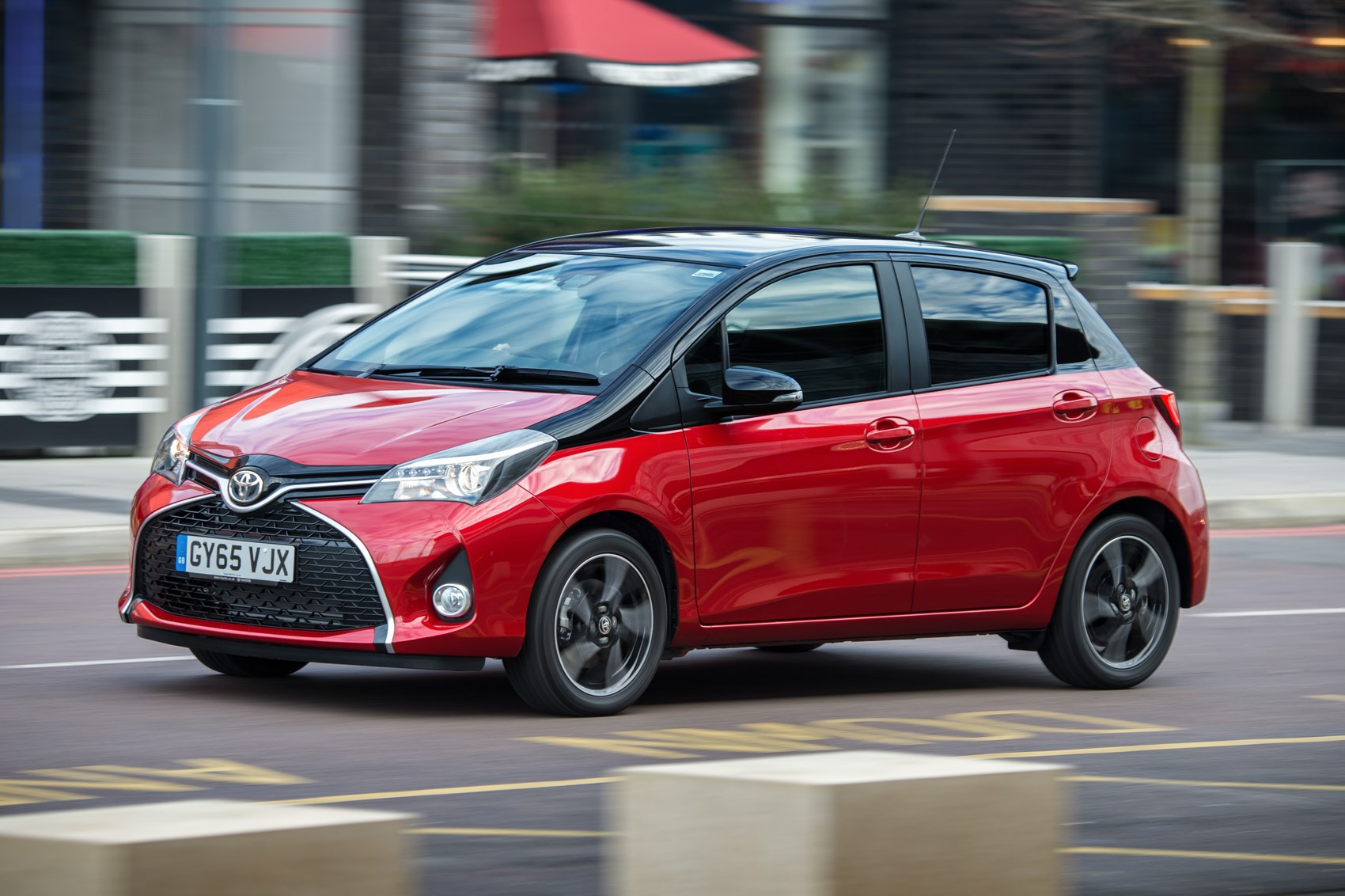 Toyota Yaris 1 33 Design 2016 Review By Car Magazine